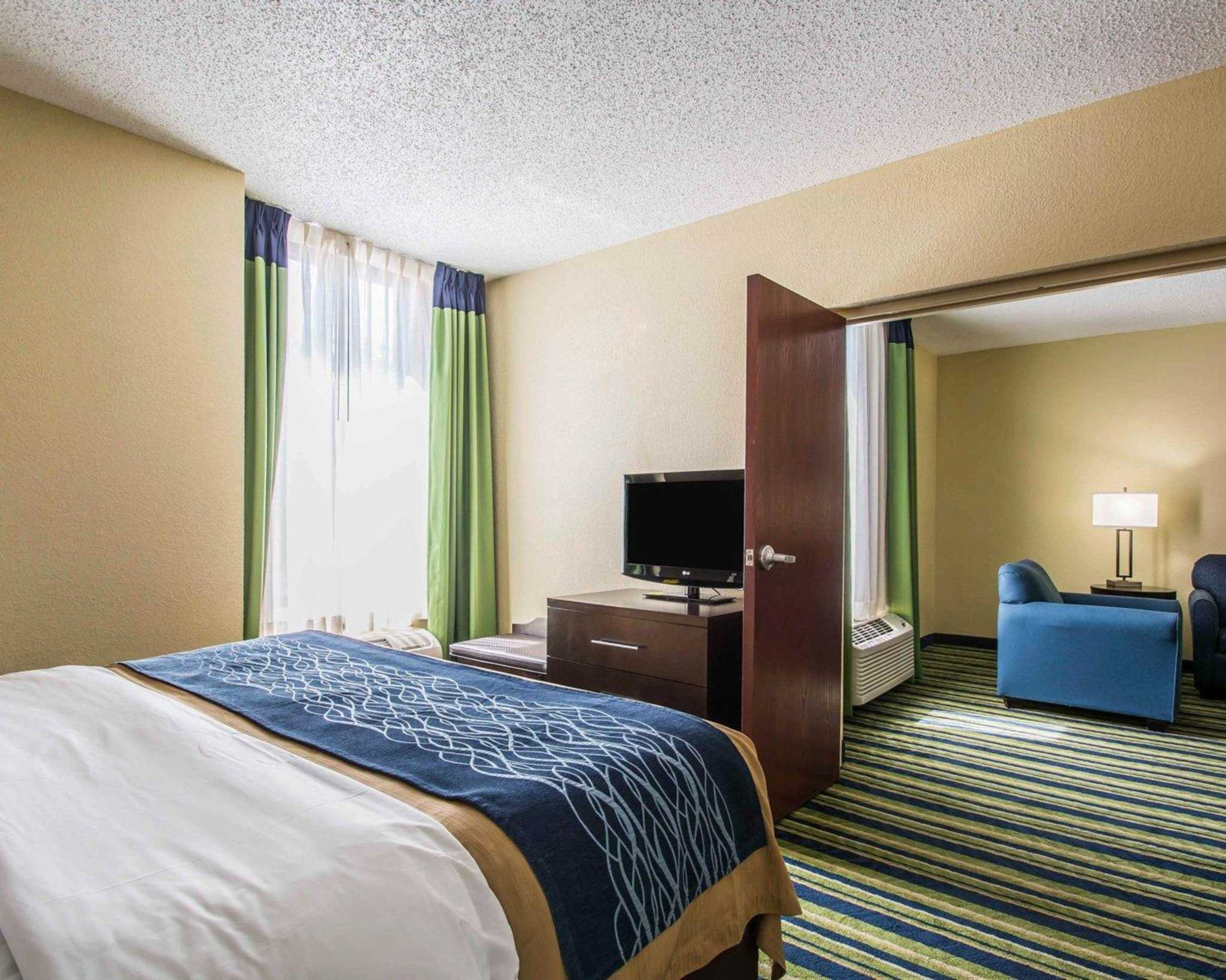 Comfort Inn & Suites Lantana - West Palm Beach South image 23