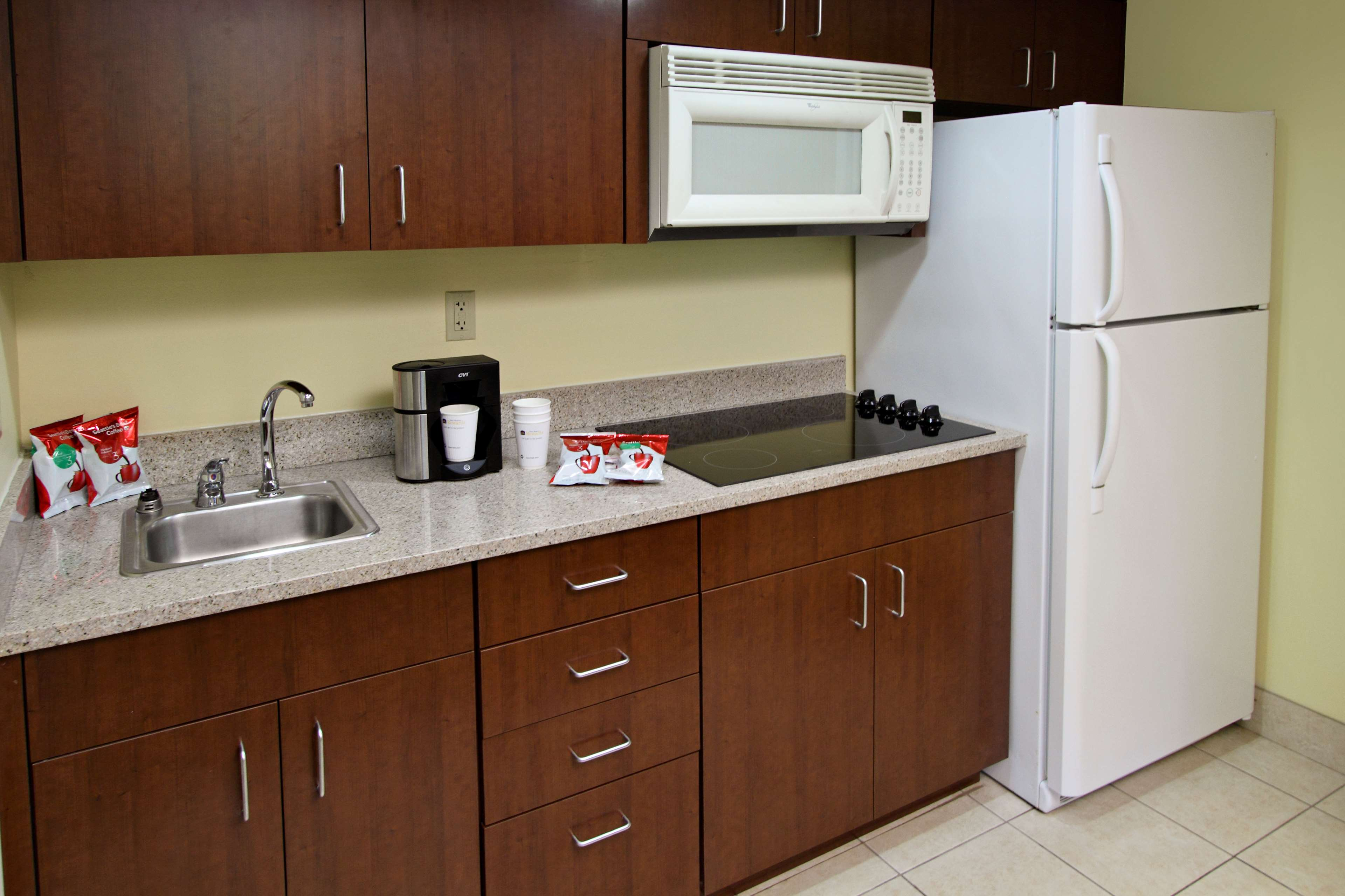 Best Western Cocoa Beach Hotel & Suites image 44