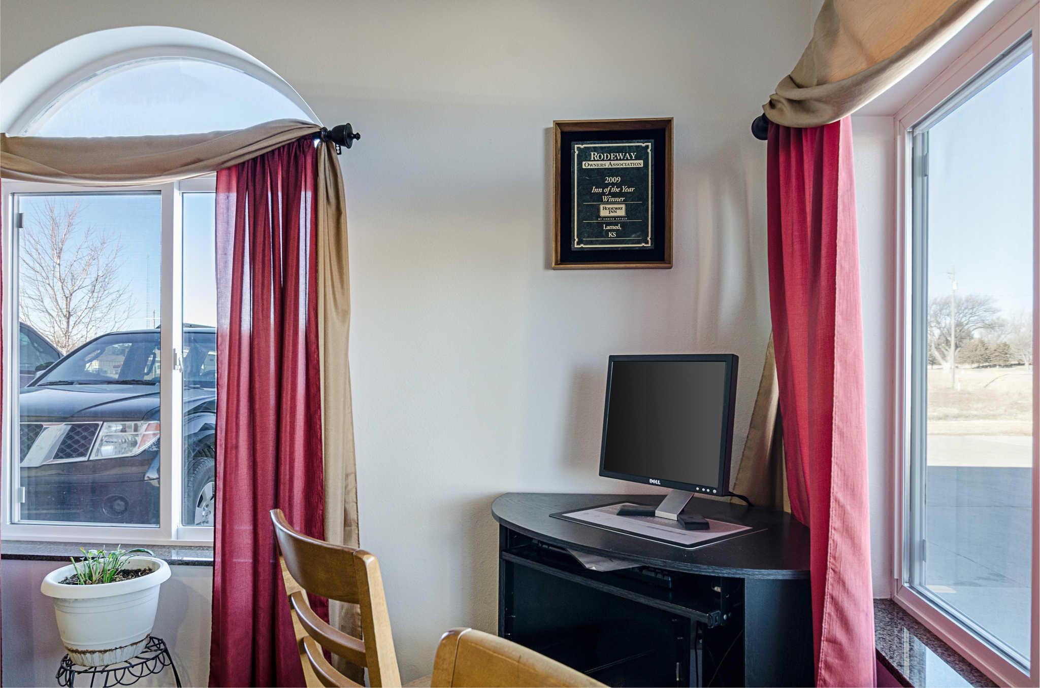Rodeway Inn image 32
