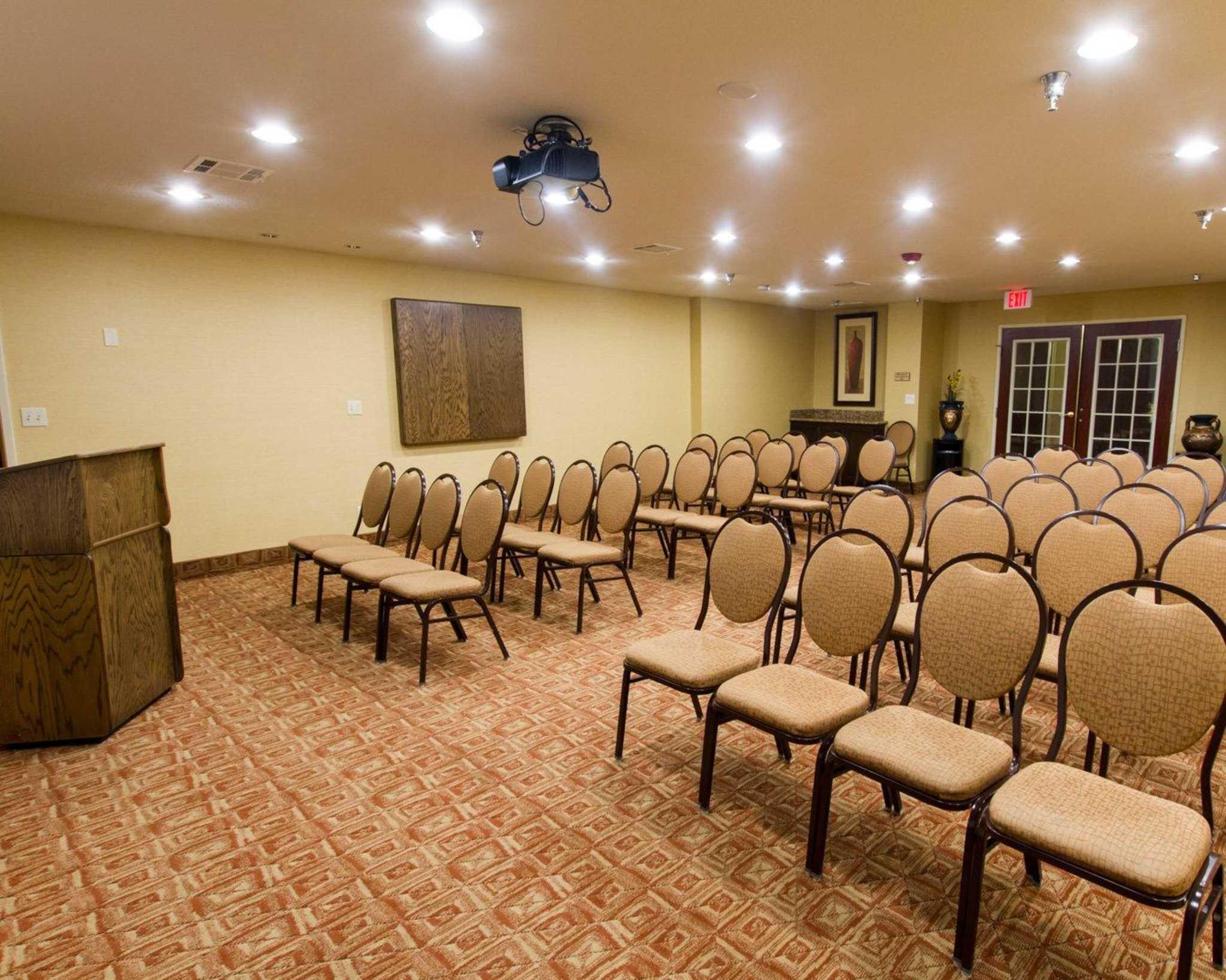 Comfort Suites Phoenix Airport image 10