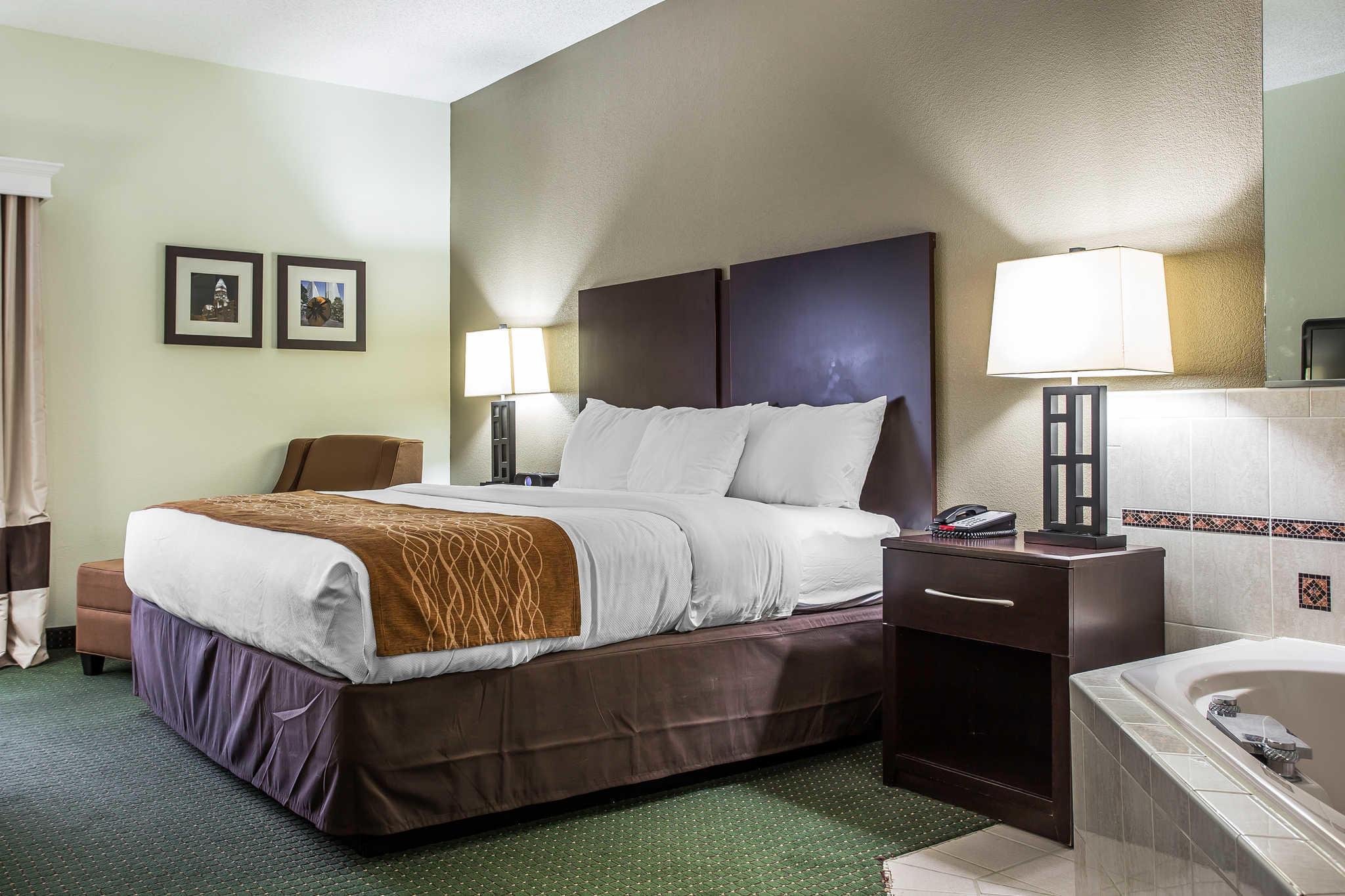 Comfort Inn & Suites Lake Norman image 21