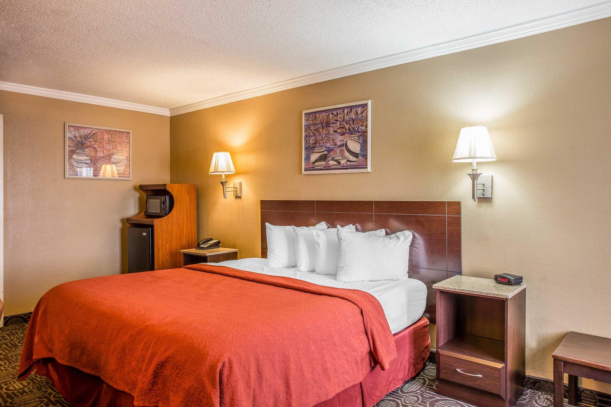 Quality Inn & Suites Ft. Jackson Maingate image 17
