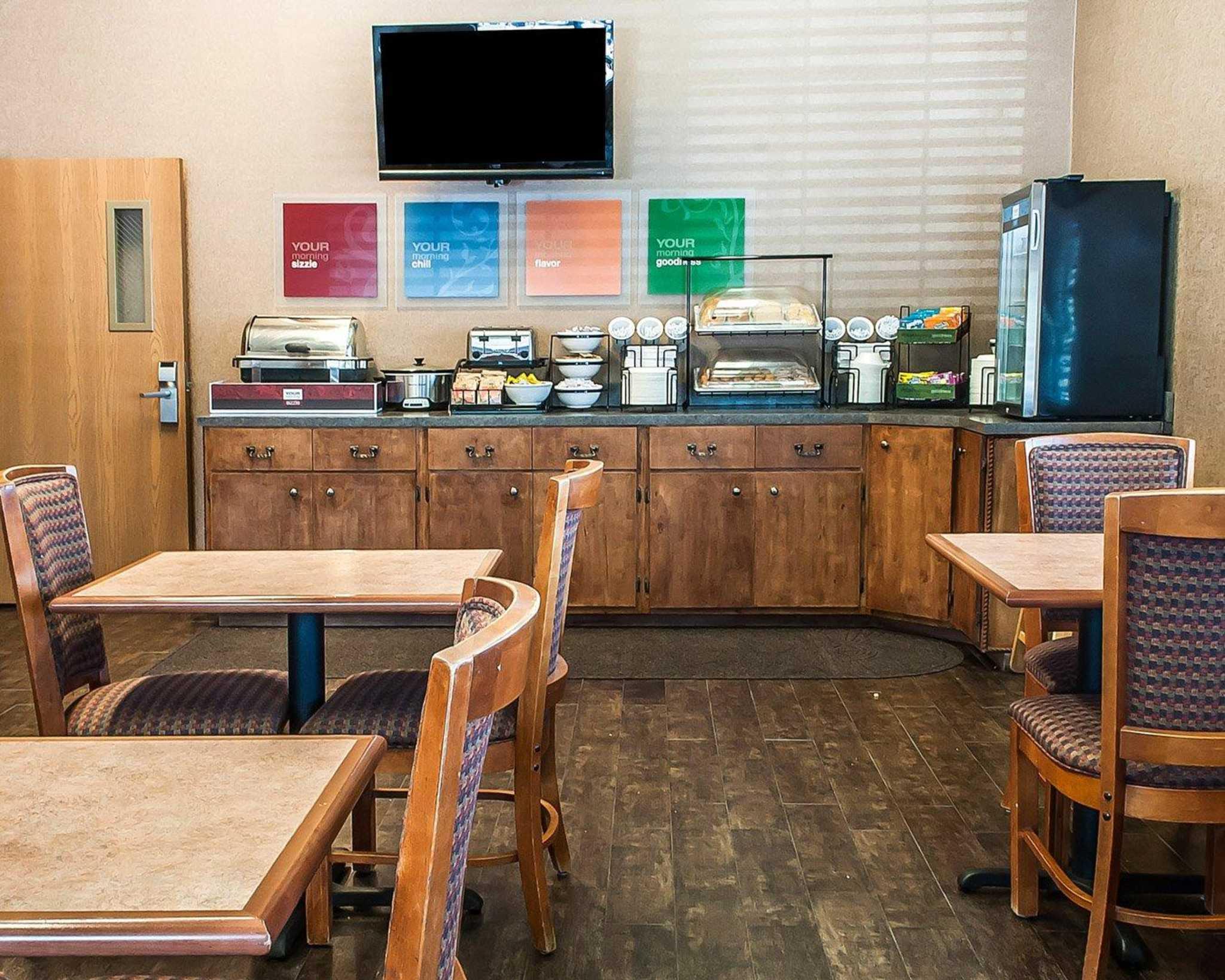 Comfort Inn Midtown image 22