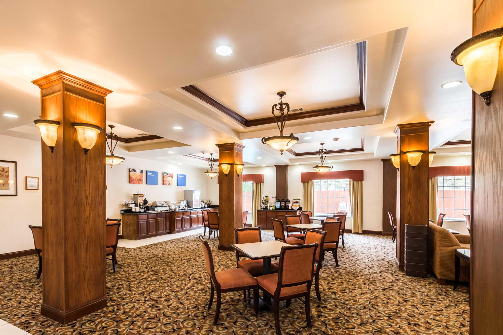 Comfort Inn & Suites near Comanche Peak image 31
