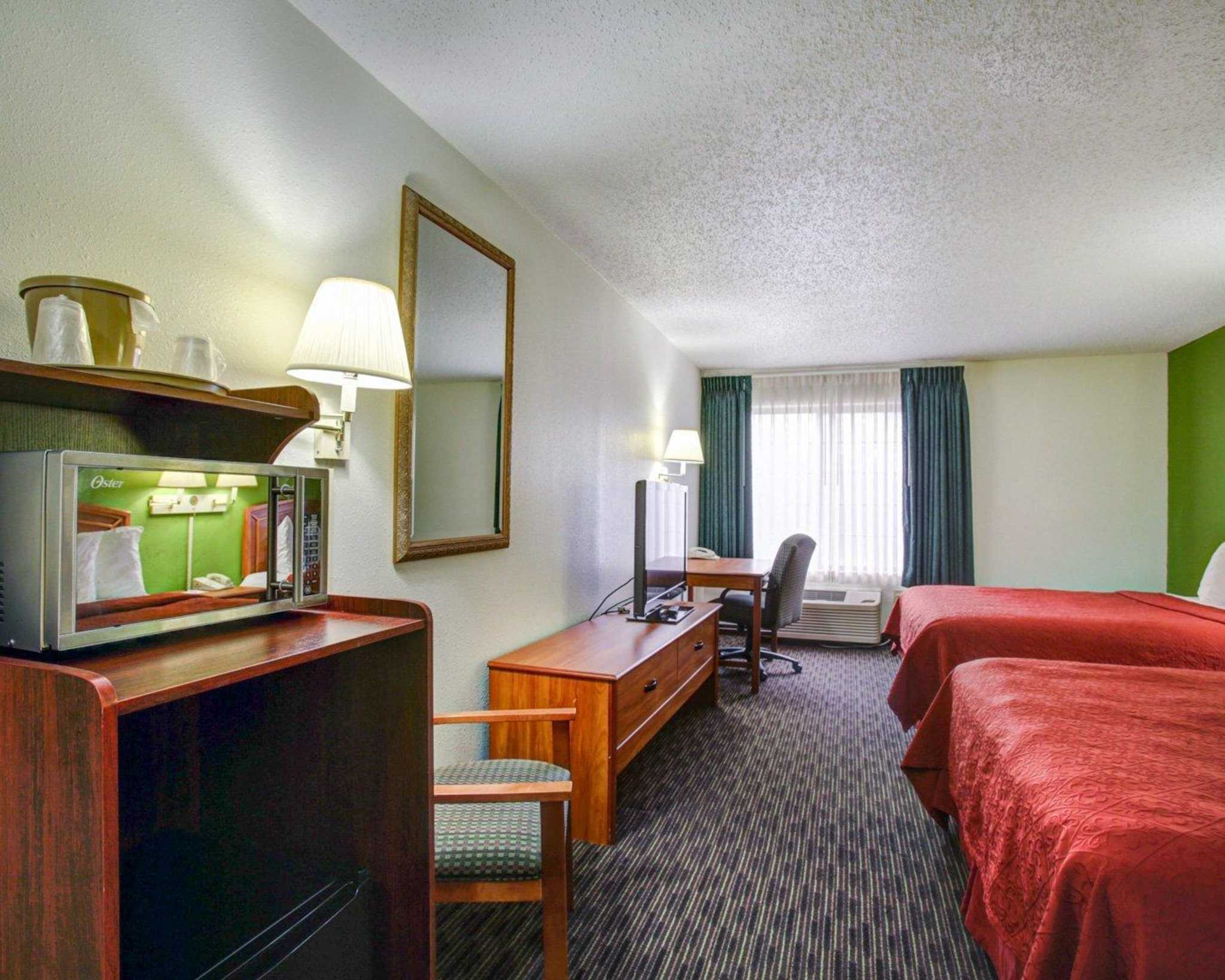Quality Inn & Suites Airport image 8