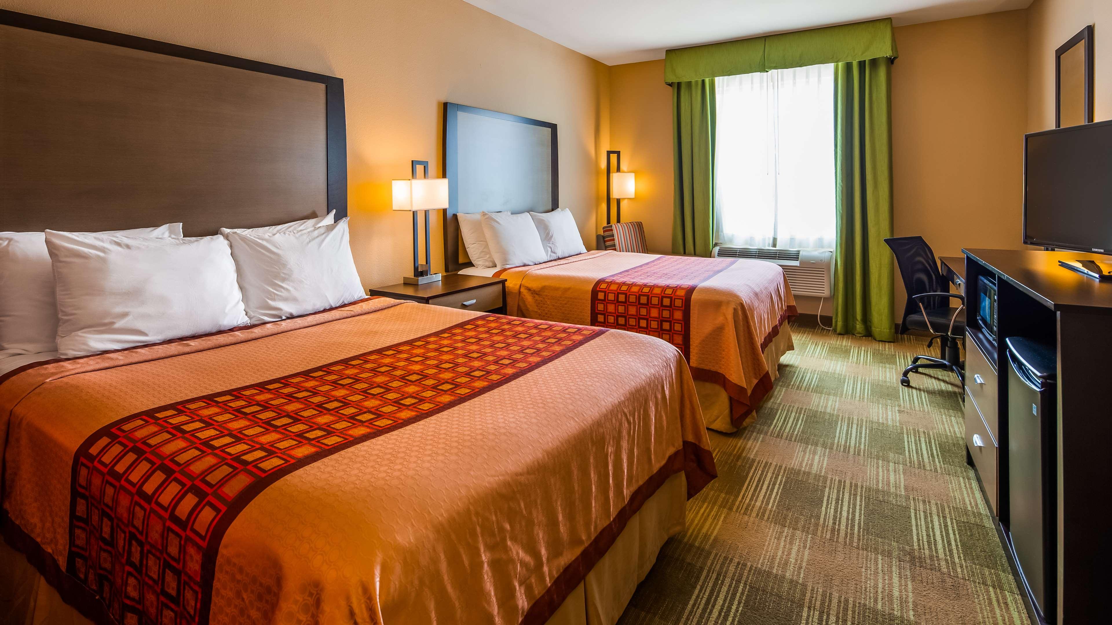 SureStay Hotel by Best Western Cotulla image 13