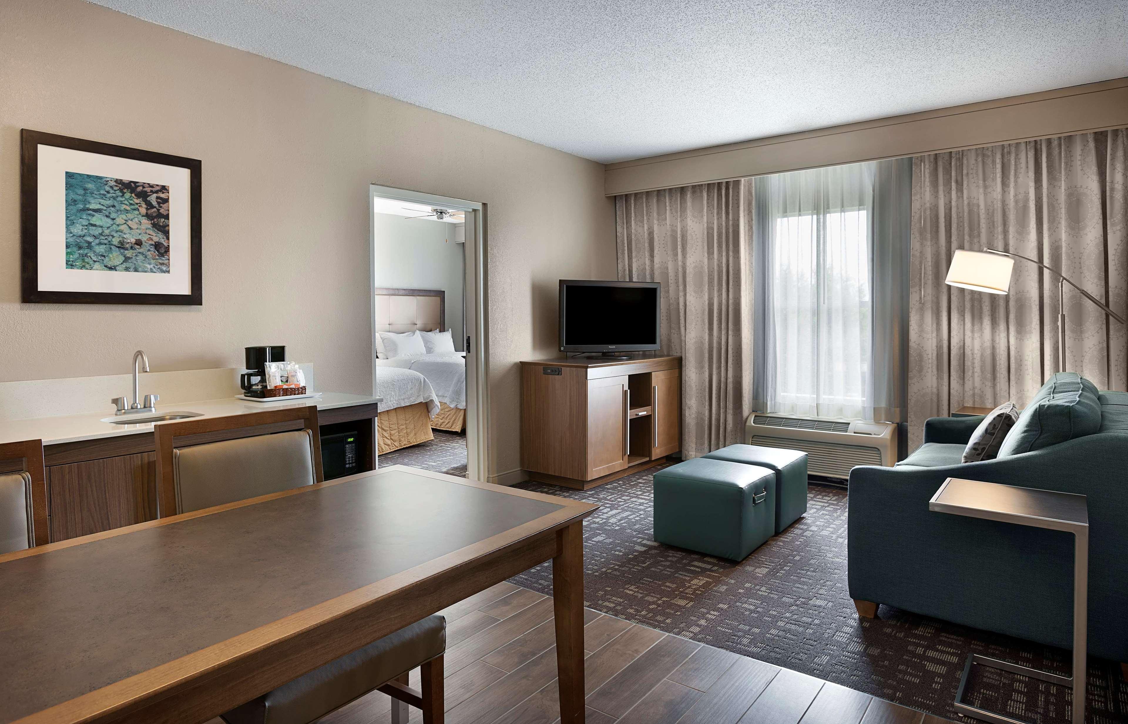 Hampton Inn & Suites Charlotte/Pineville image 31