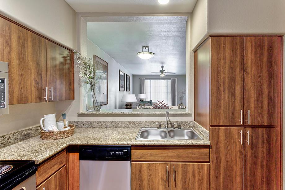 Camden Montierra Apartments image 2