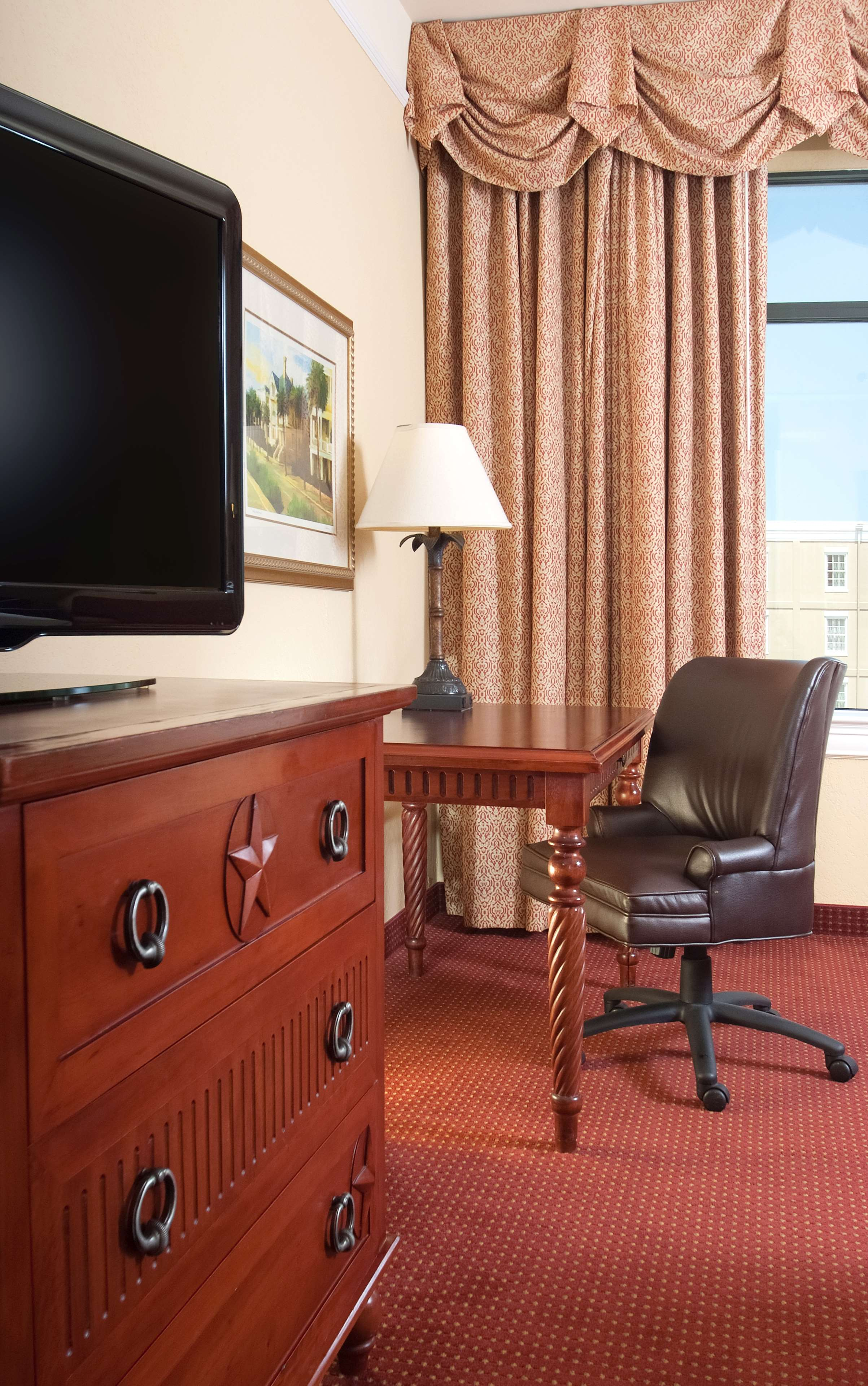 DoubleTree by Hilton Hotel & Suites Charleston - Historic District image 14