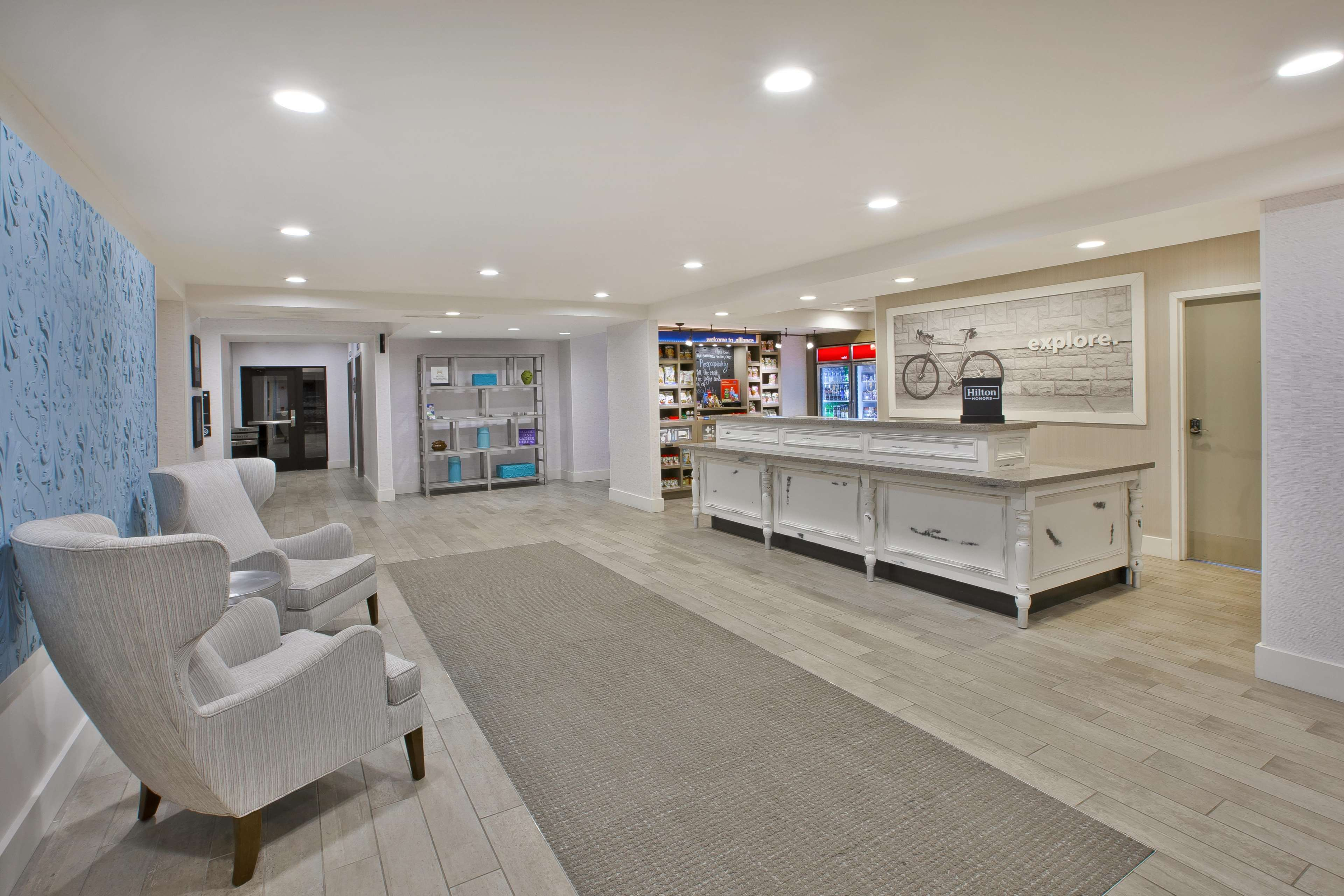 Hampton Inn & Suites Alliance image 4