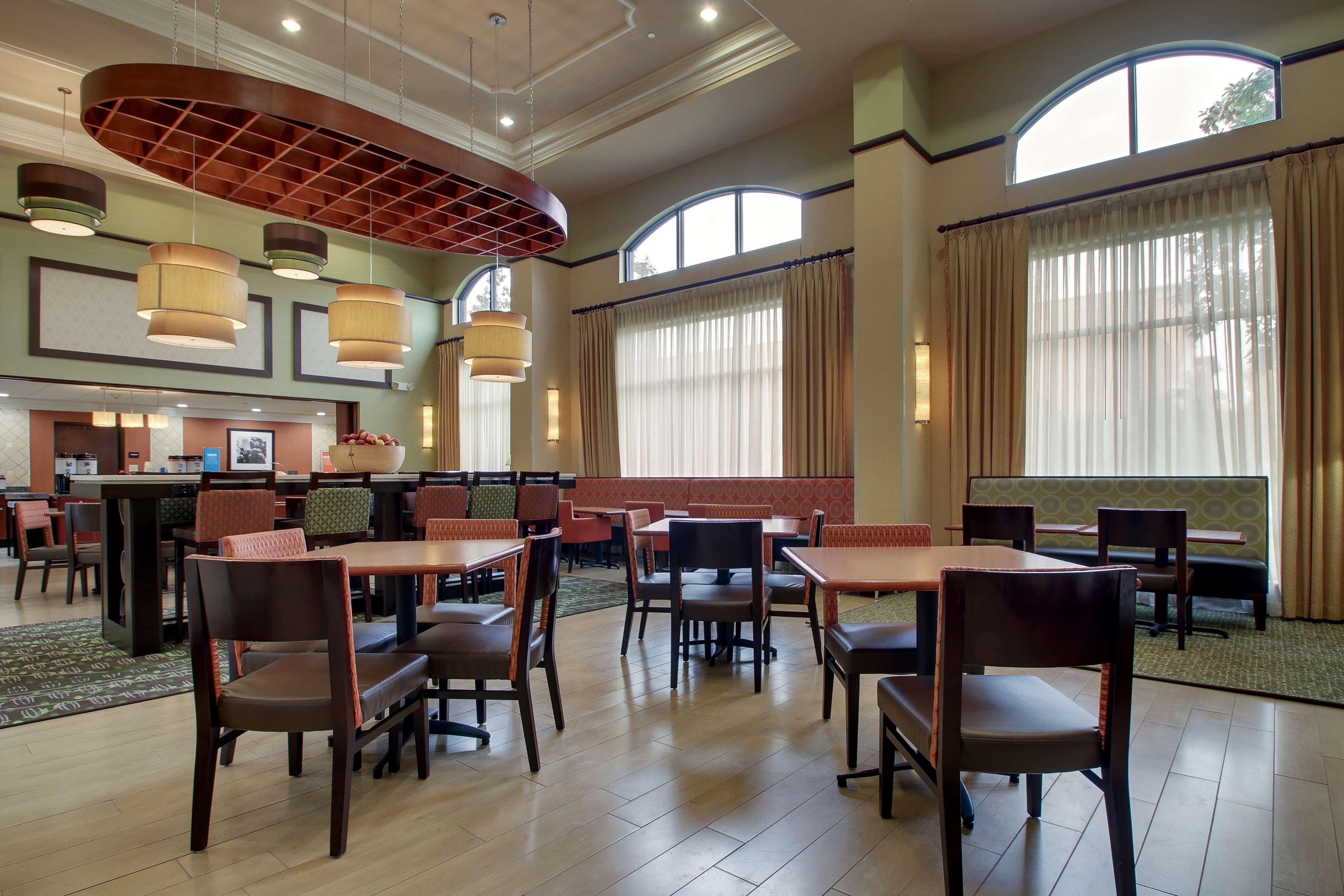 Hampton Inn & Suites Spartanburg-I-26-Westgate Mall image 10
