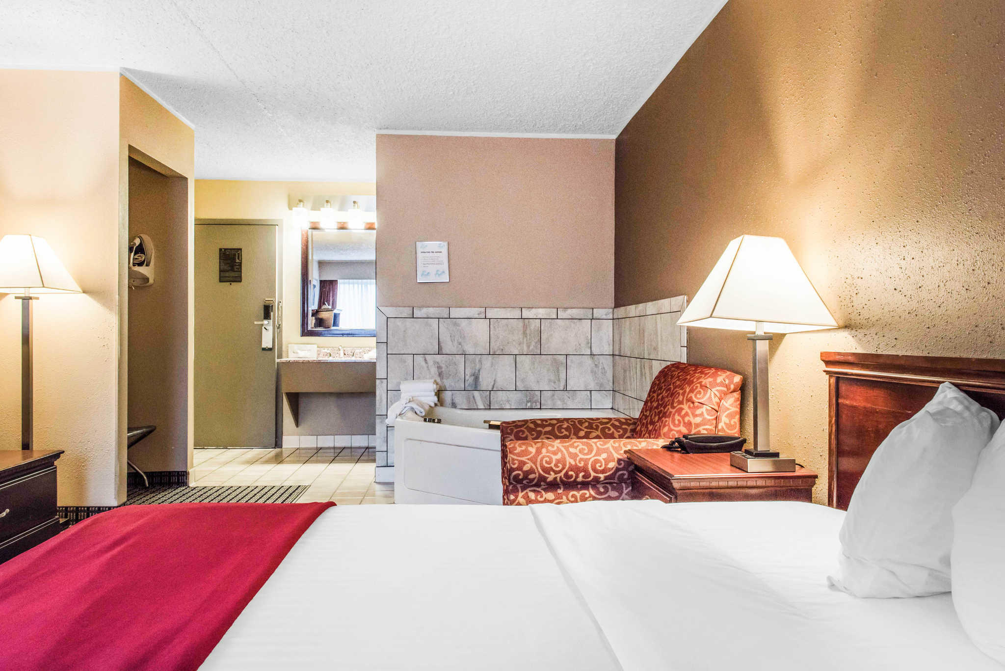 Quality Inn Austintown-Youngstown West image 16