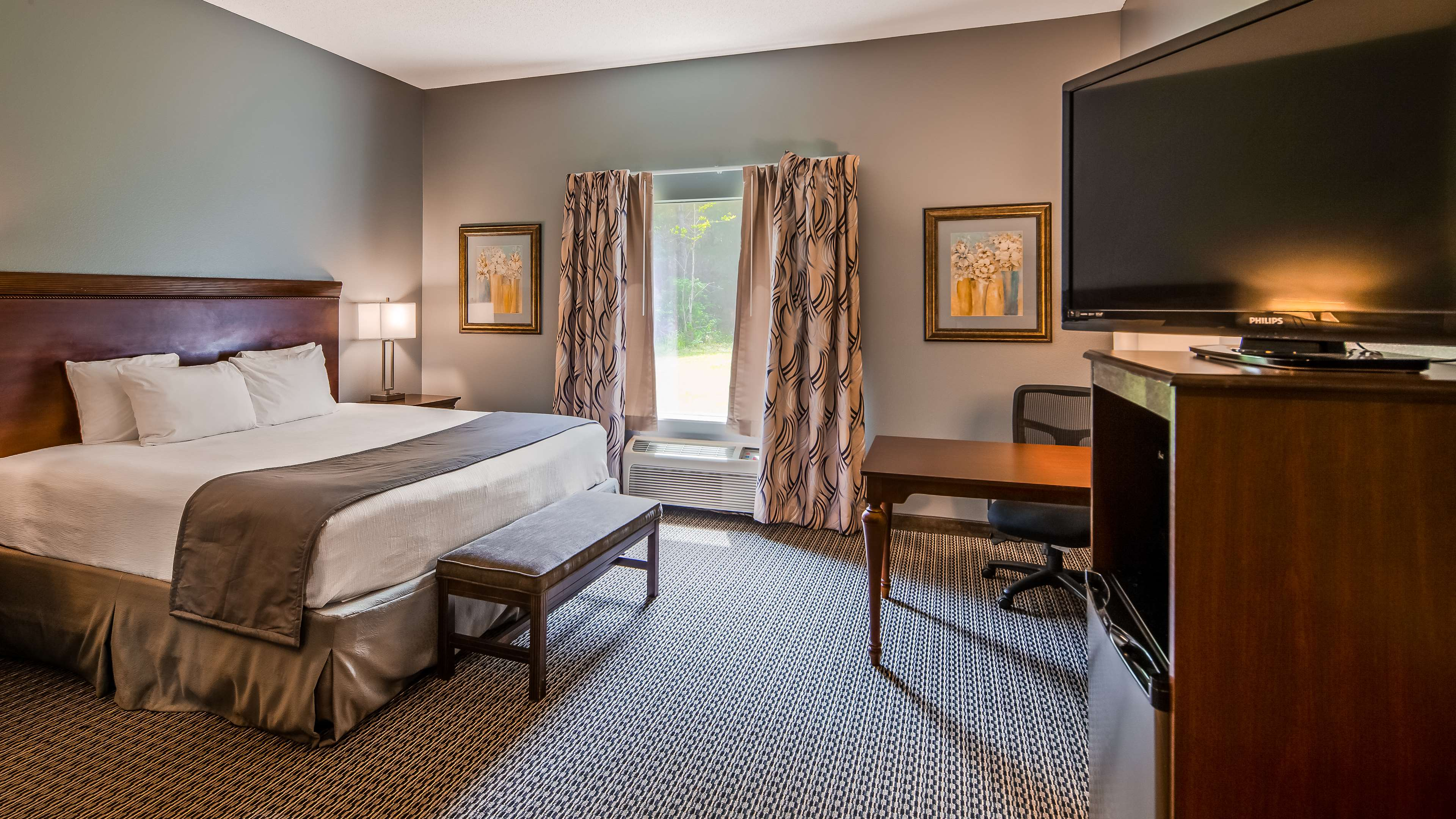 Best Western Plus Two Rivers Hotel & Suites image 7