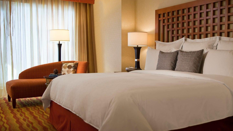 Renaissance Phoenix Glendale Hotel & Spa image 4
