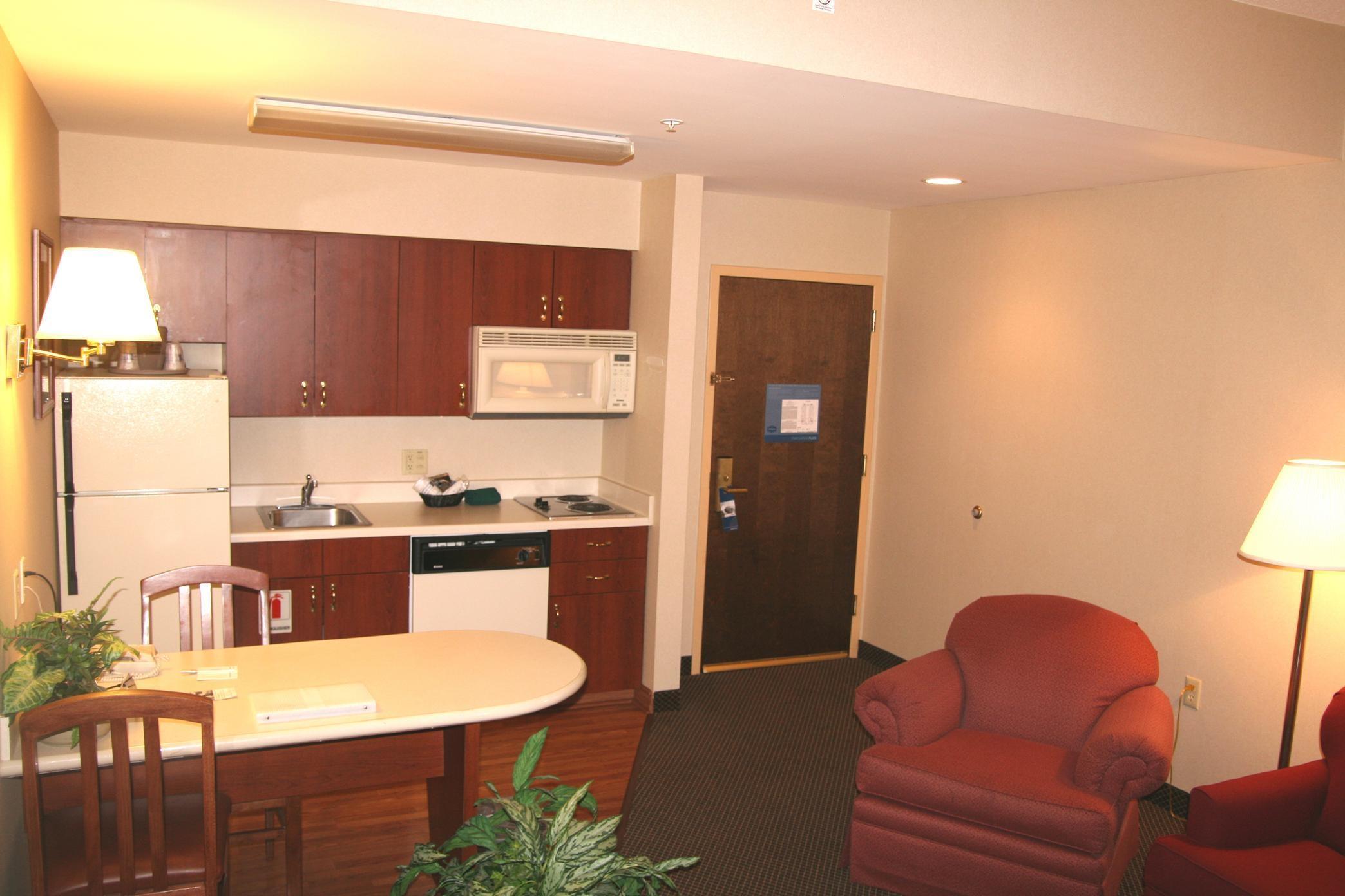 Hampton Inn & Suites Newtown image 26