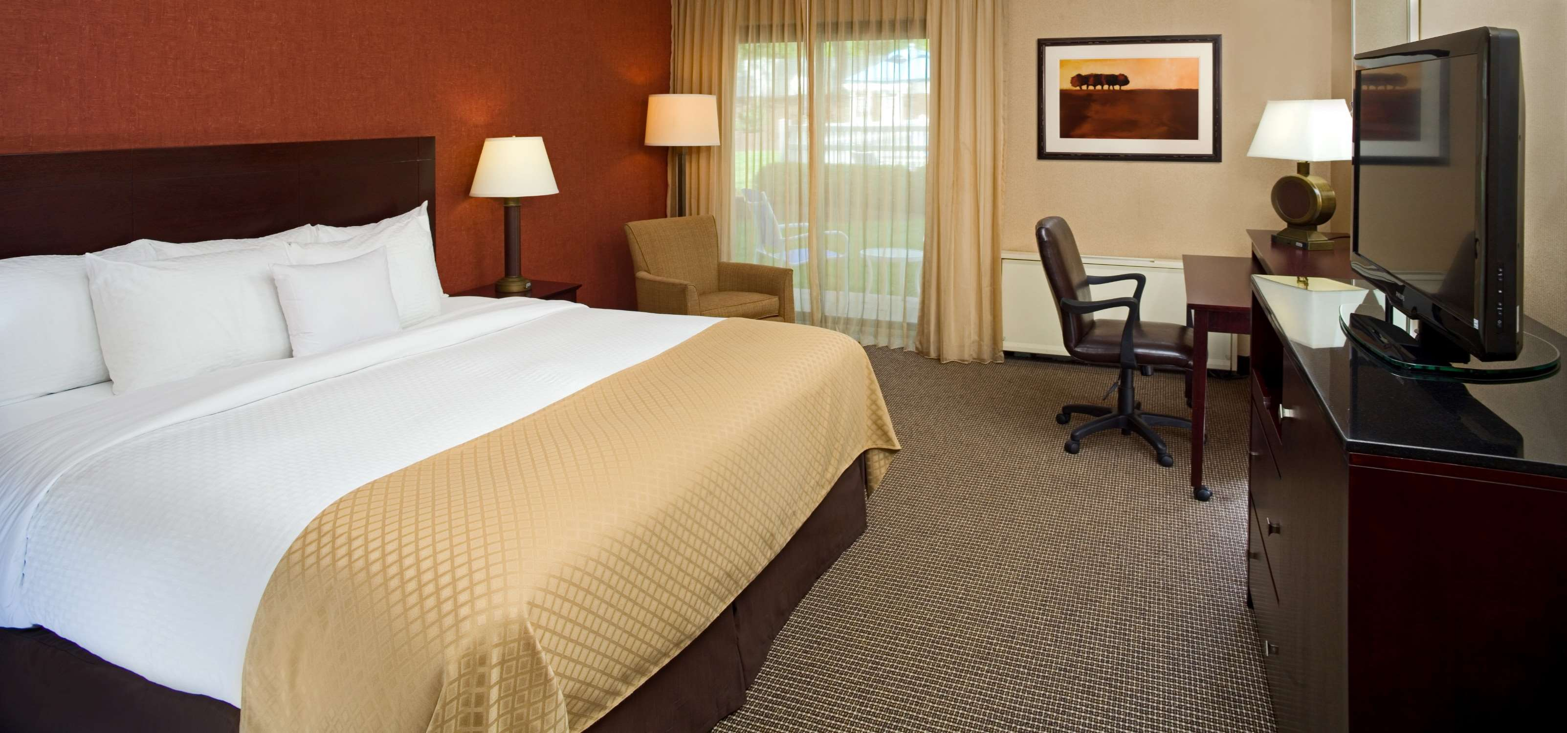 DoubleTree by Hilton Hotel Pittsburgh - Meadow Lands image 16