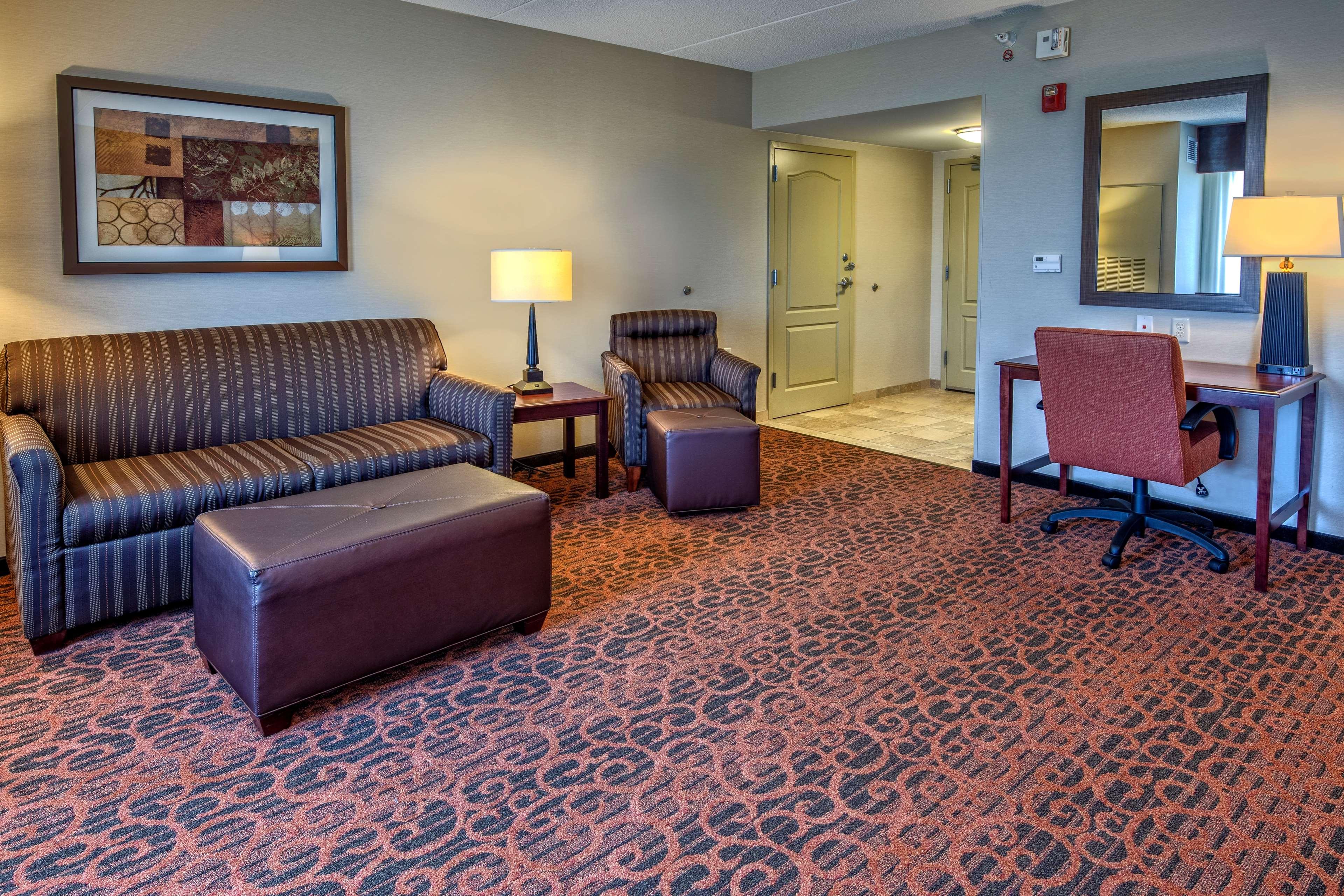 Hampton Inn Suites Minneapolis St Paul Arpt-Mall of America image 9