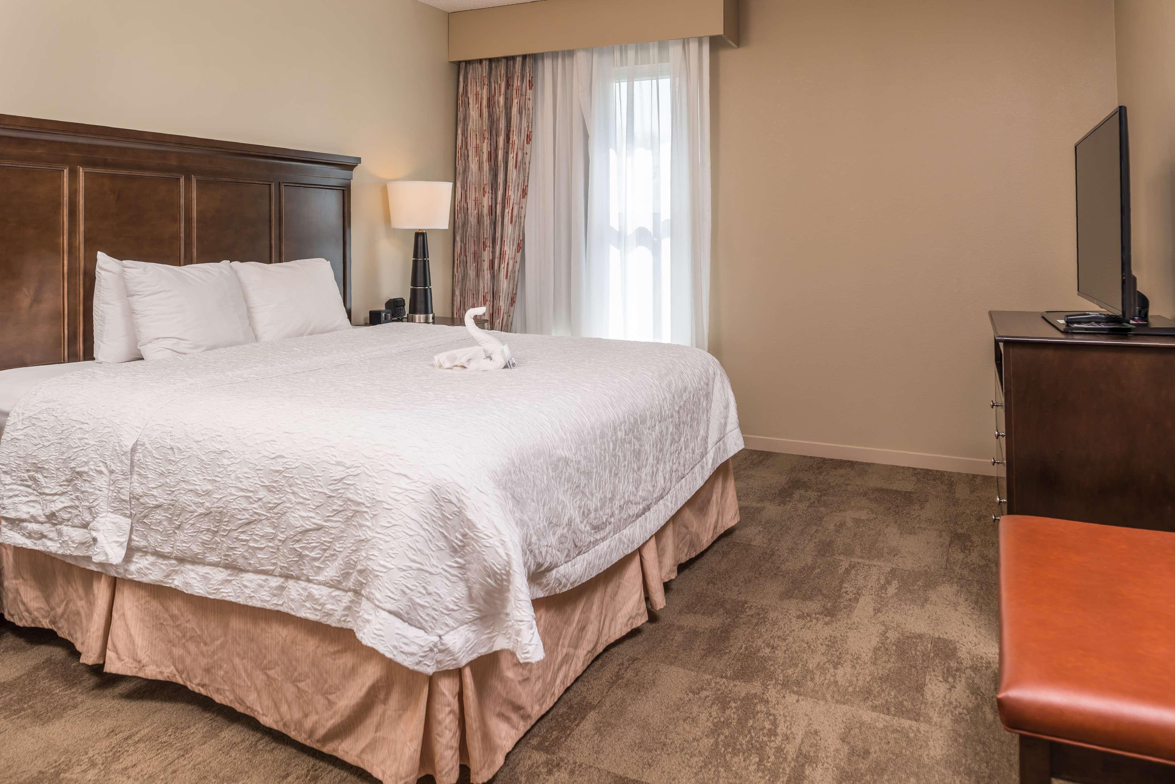 Hampton Inn & Suites Charlotte-Arrowood Rd. image 38
