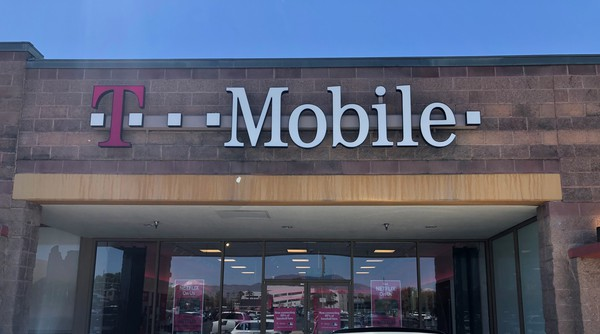 Cell Phones Plans And Accessories At T Mobile 6970 E 22nd Street