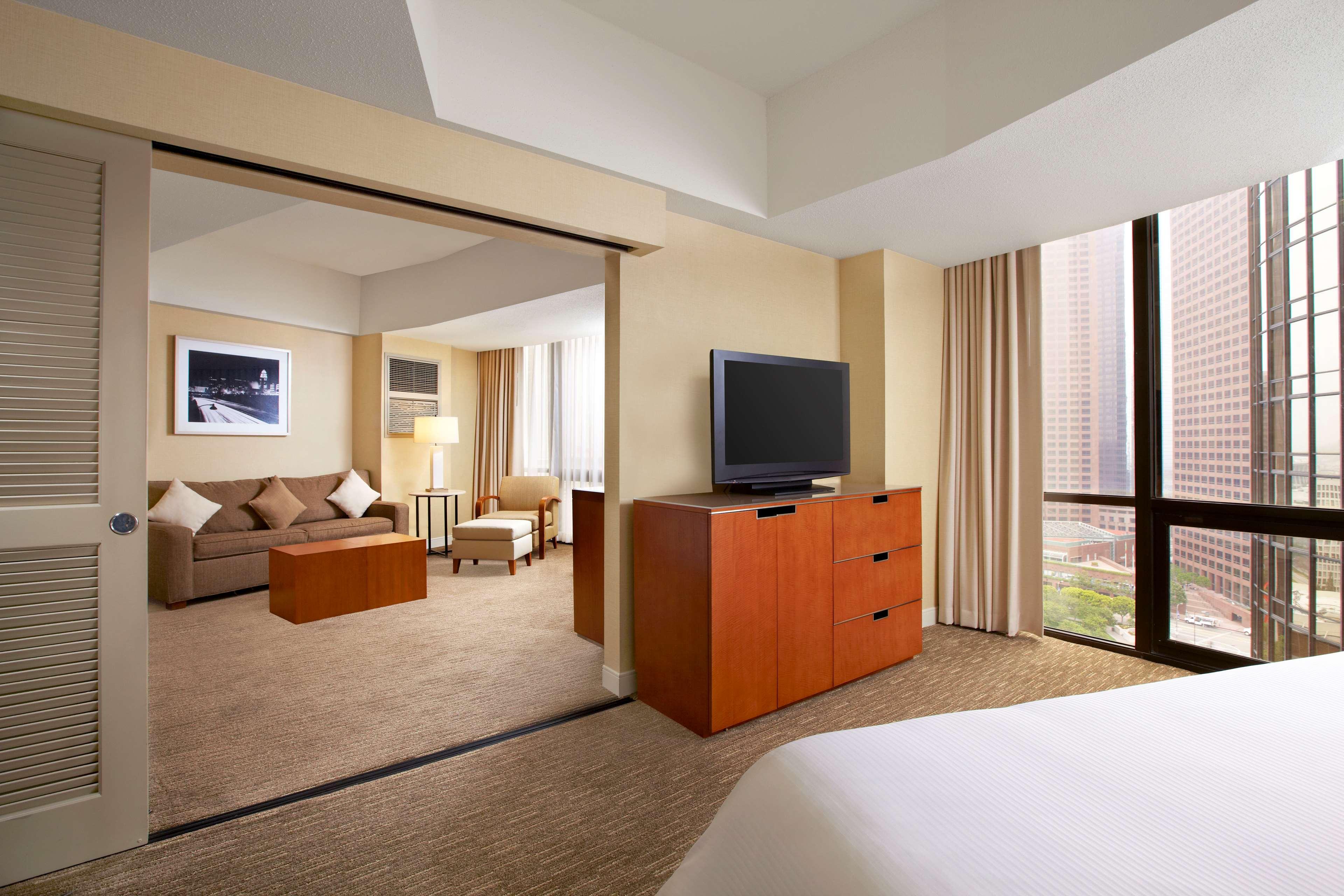 The Westin Bonaventure Hotel & Suites, Los Angeles image 19