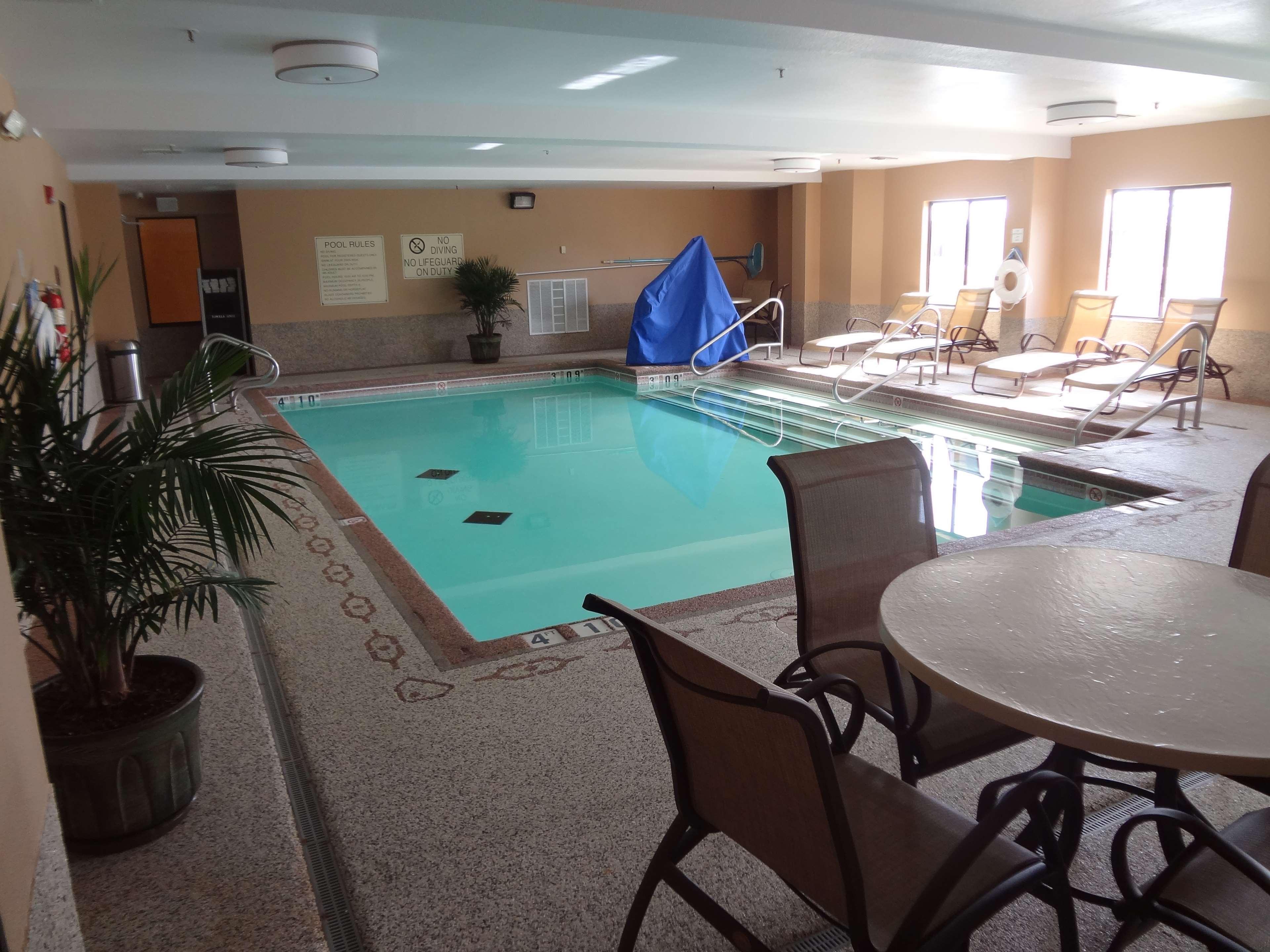 Best Western Plus Woodland Hills Hotel & Suites image 12