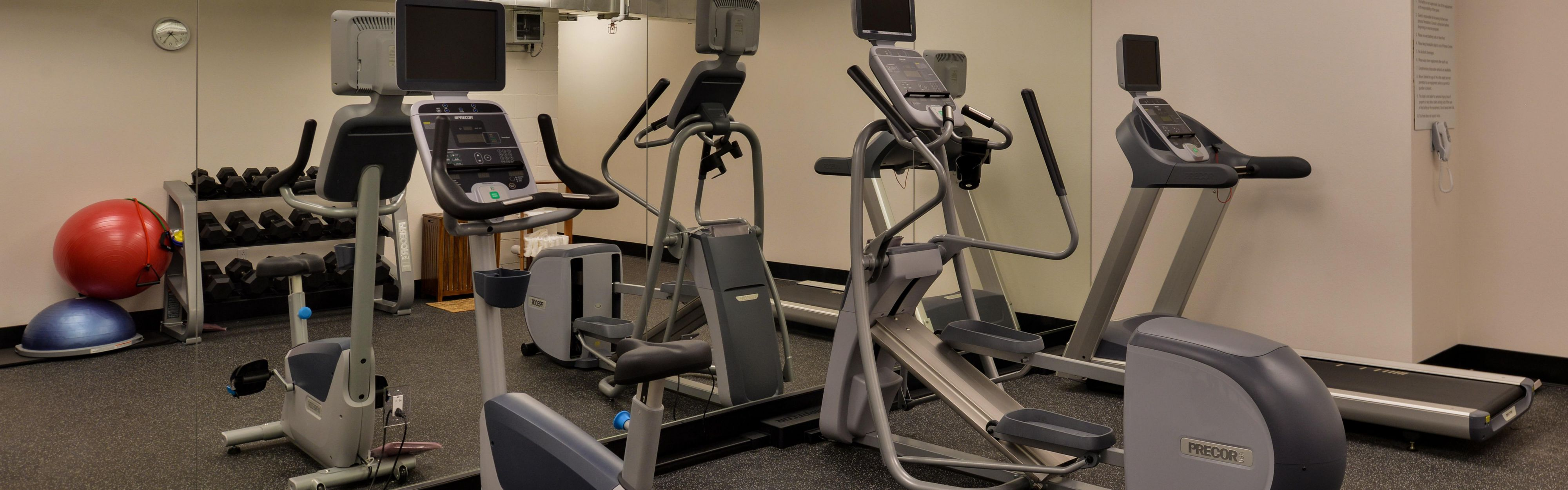 Holiday Inn Express & Suites San Diego - Mission Valley image 2