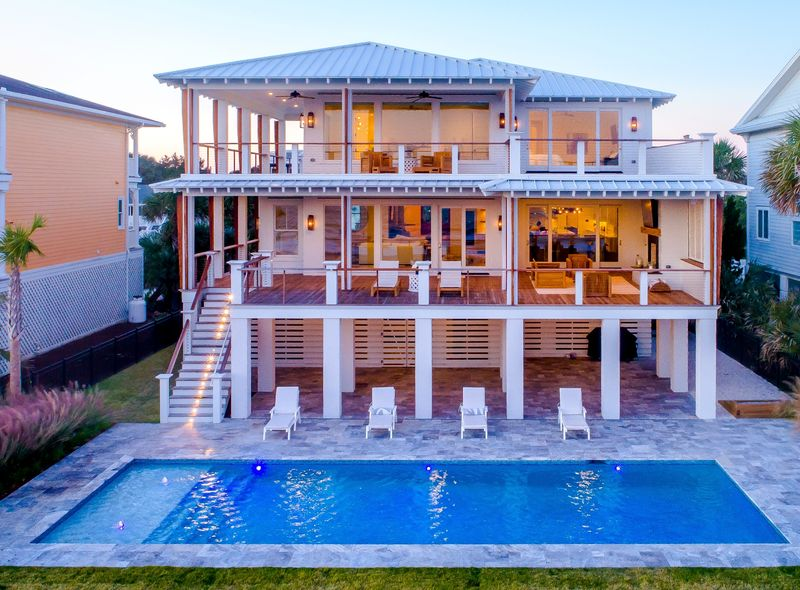 Isle of Palms Vacation Rentals by Exclusive Properties image 48