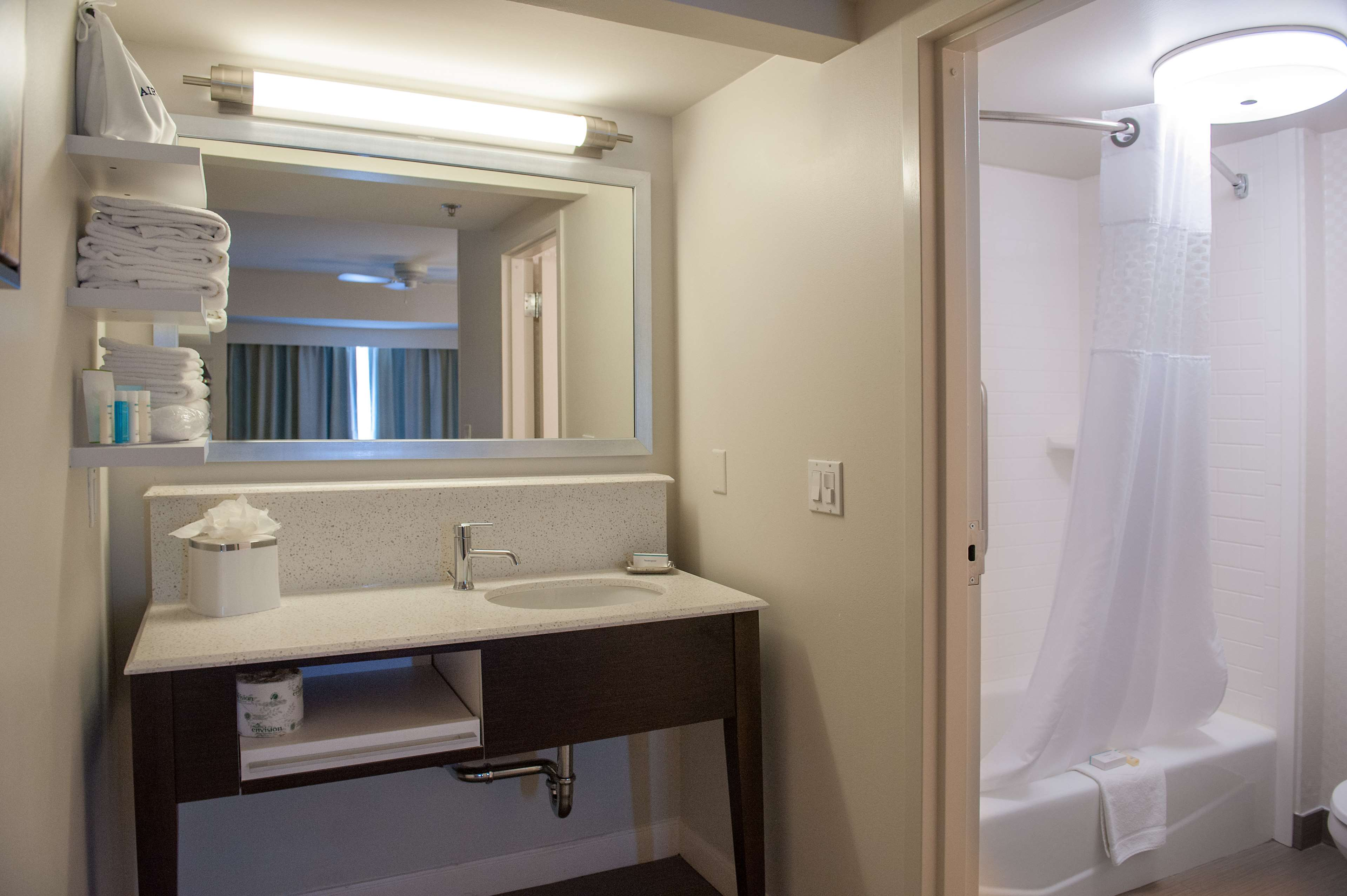 Hampton Inn & Suites New Orleans-Elmwood/Clearview Parkway Area image 14