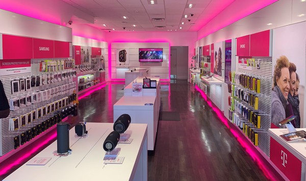 T Mobile Store At 1084 Boylston Street Boston Ma T Mobile