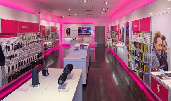 T Mobile Store At 1084 Boylston Street Boston Ma T Mobile