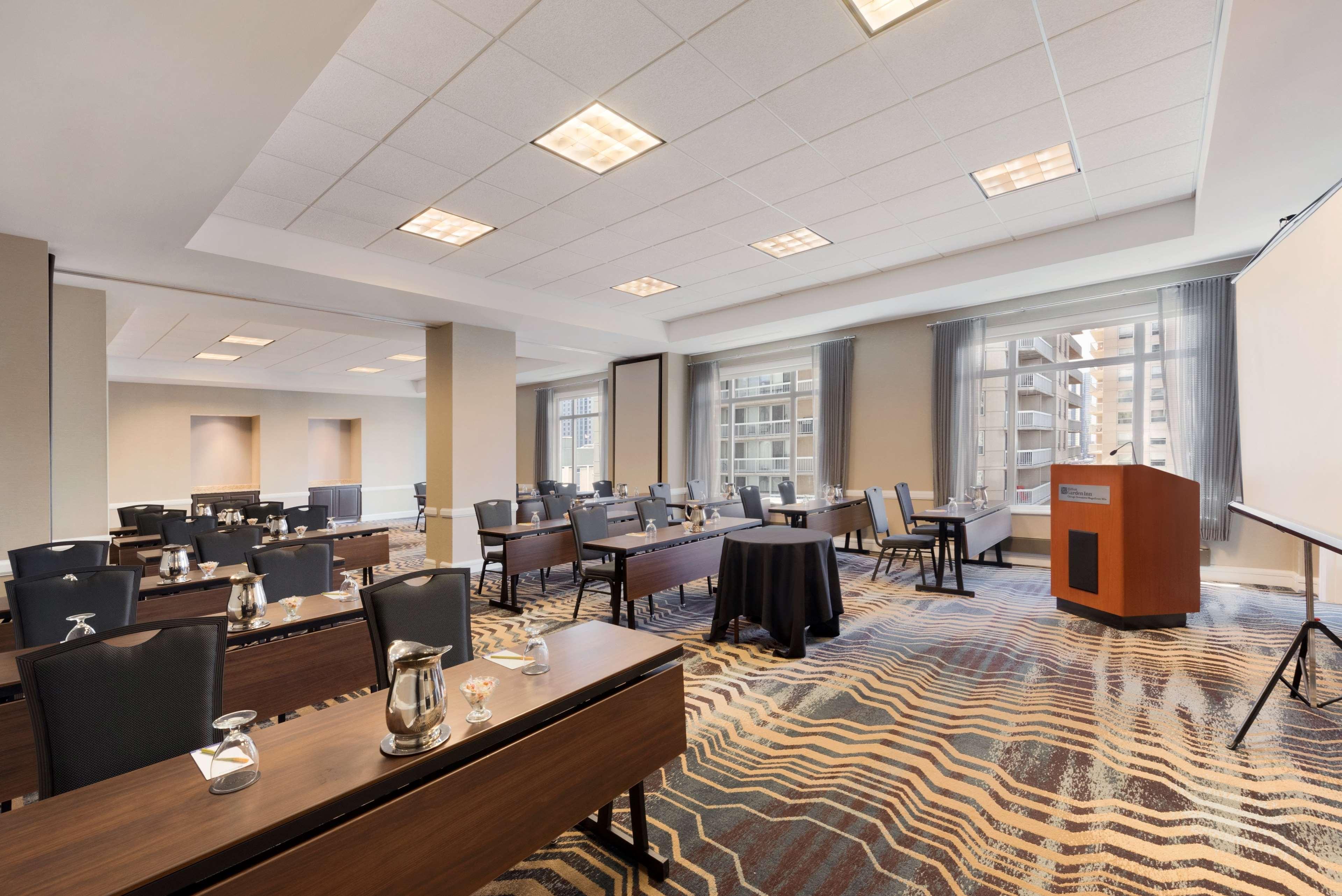 Hilton Garden Inn Chicago Downtown/Magnificent Mile image 48
