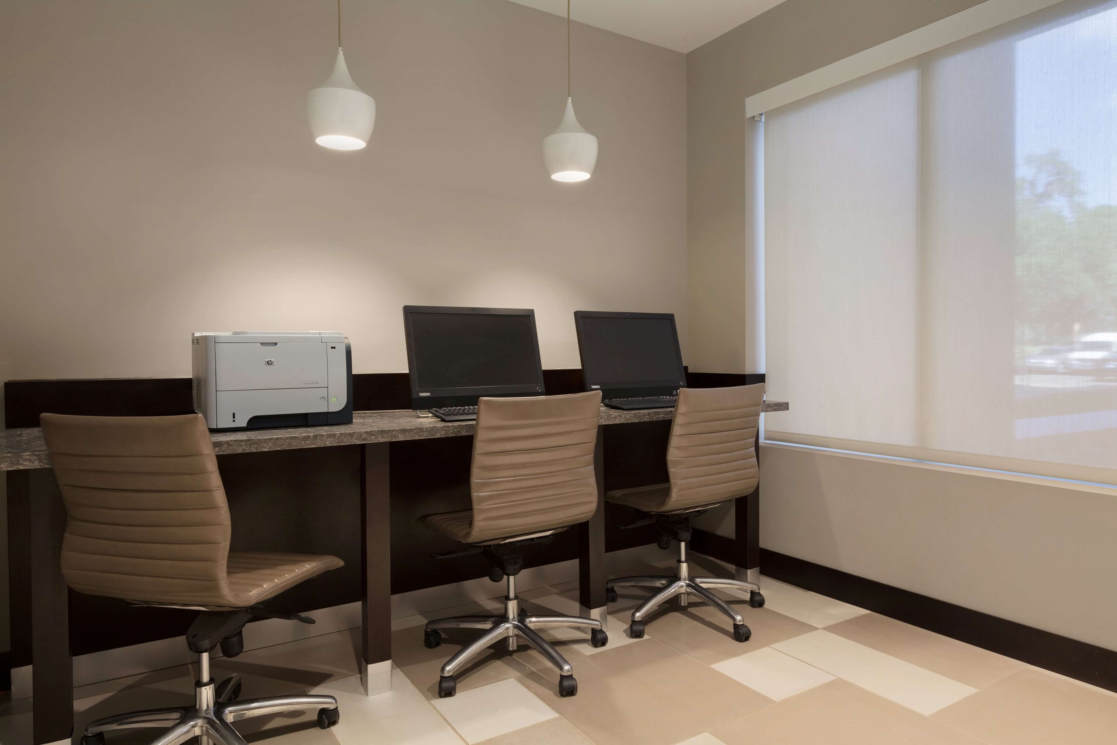 Embassy Suites by Hilton Jacksonville Baymeadows image 34