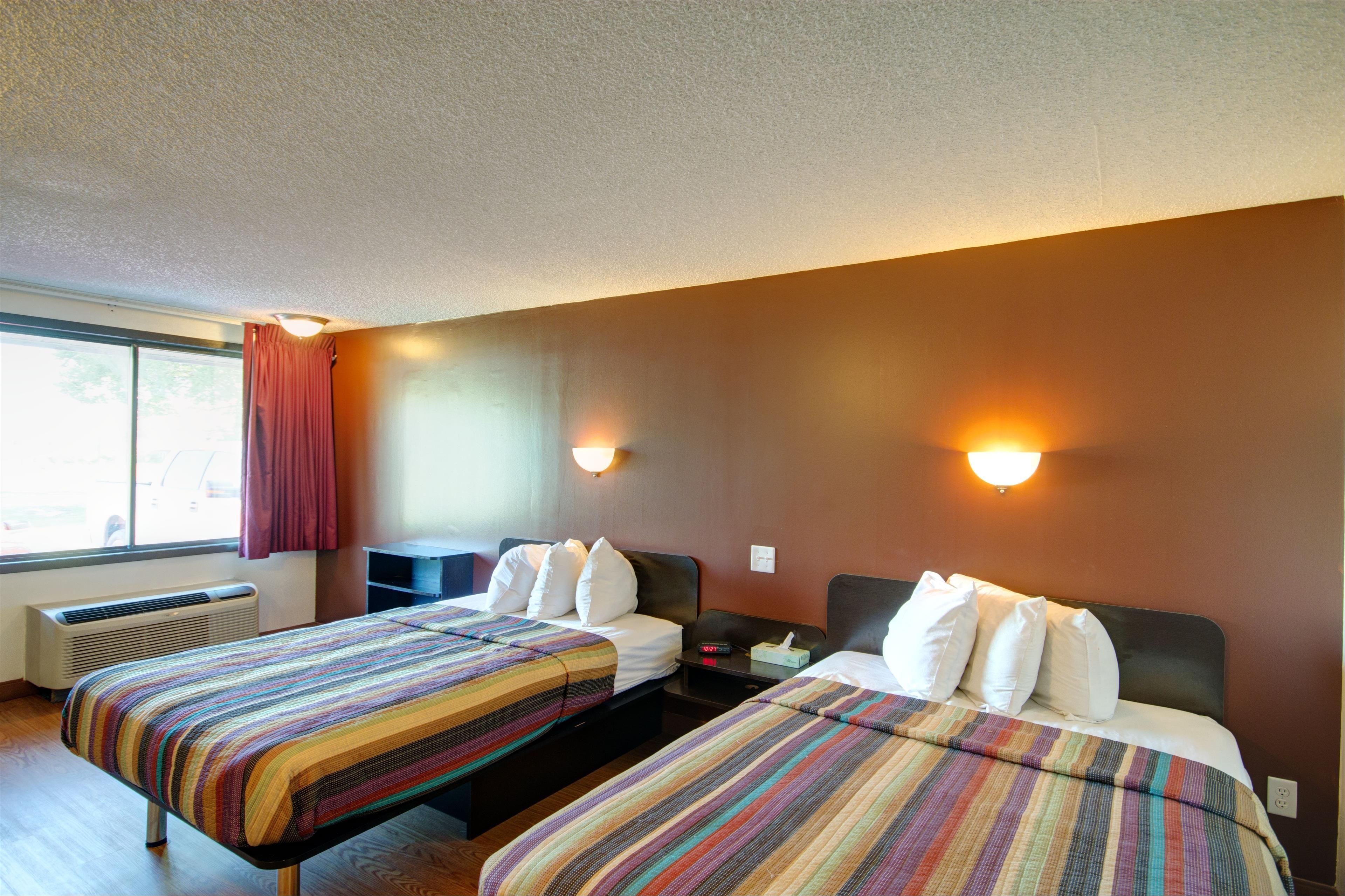 Americas Best Value Inn - Heath/Newark image 13
