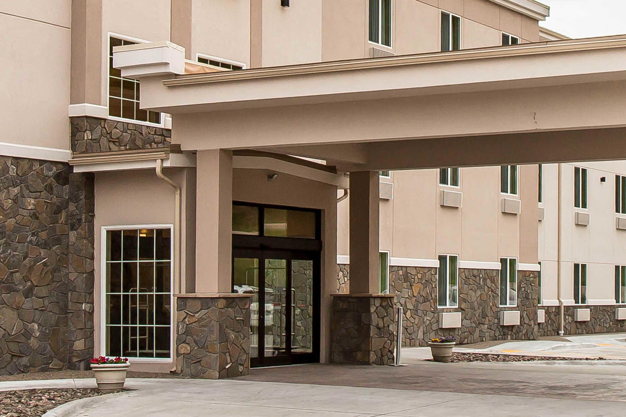 Comfort Inn & Suites Near Mt. Rushmore image 4
