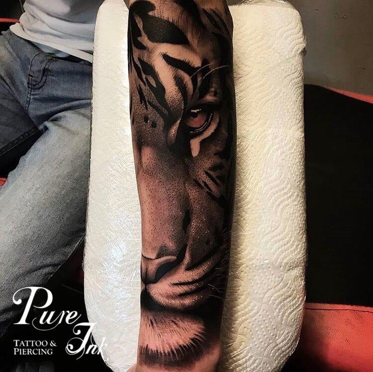 Pureink Tattoo & Piercing
