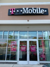 Exterior photo of T-Mobile Store at Rt 140 & School St, Mansfield, MA