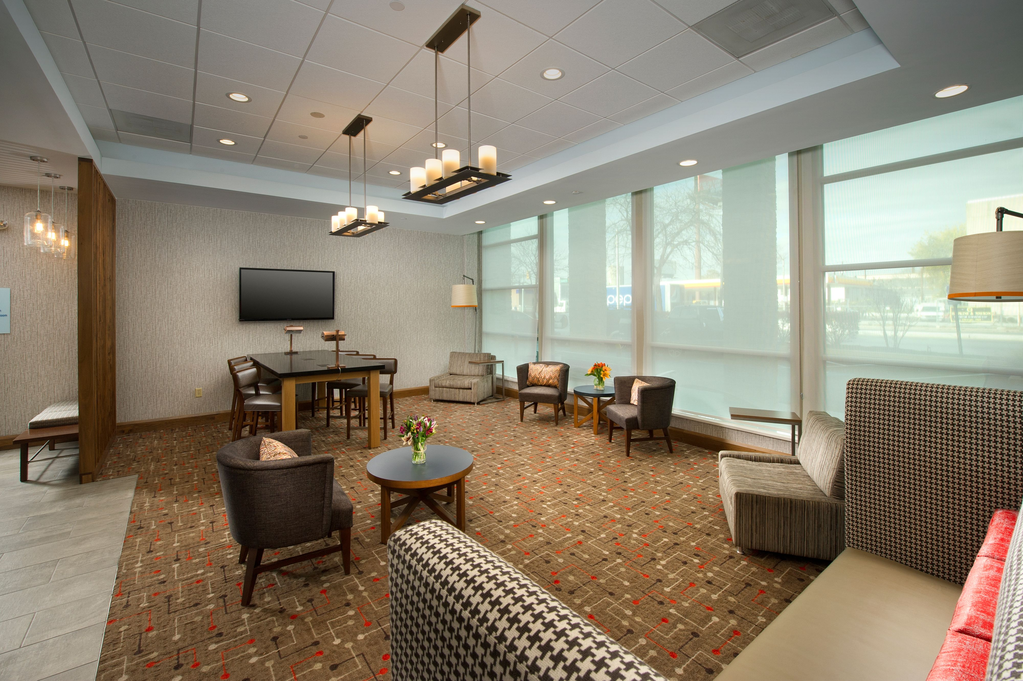Holiday Inn Express Baltimore At The Stadiums image 4