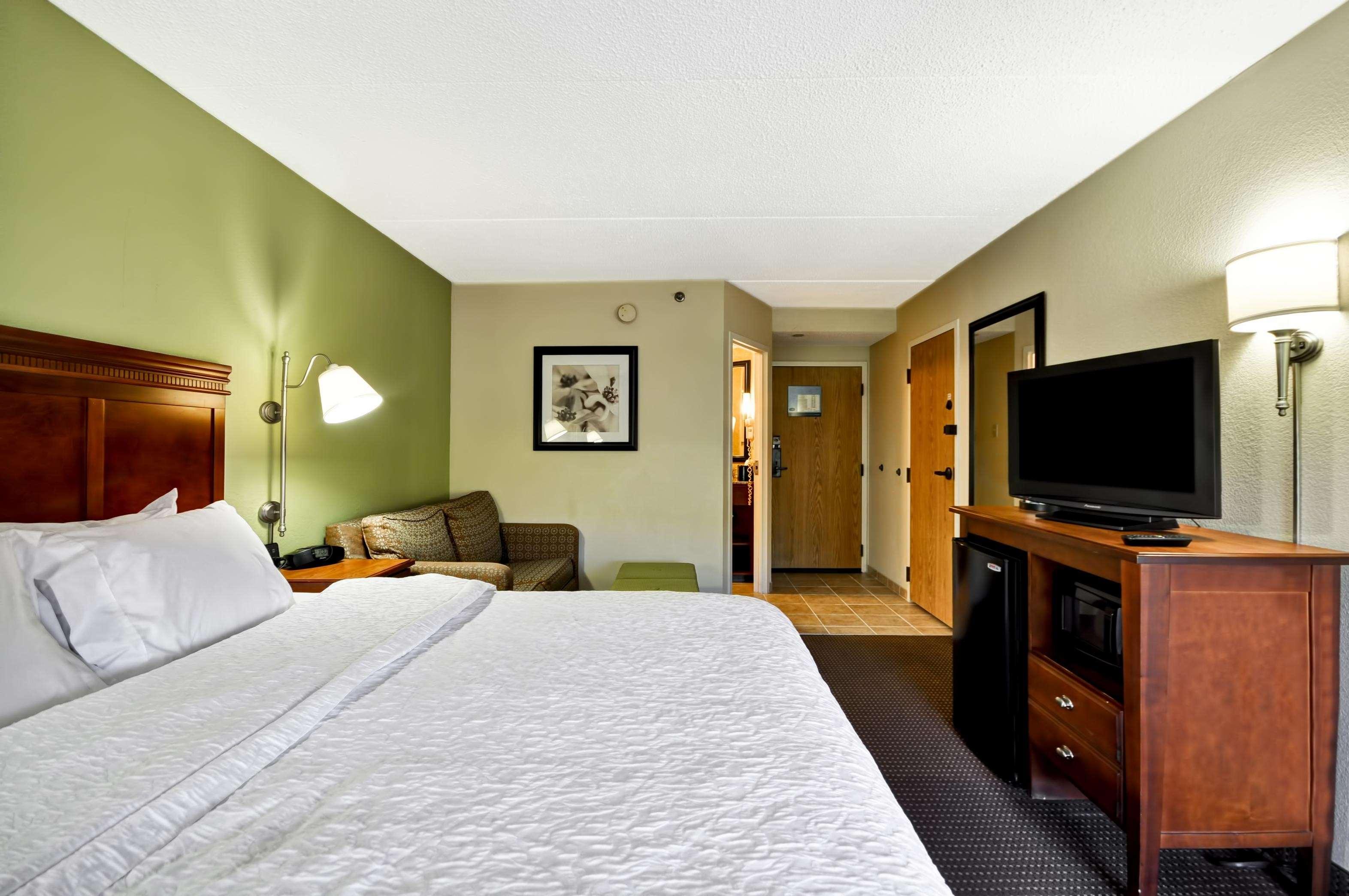 Hampton Inn St. Louis/Westport image 35