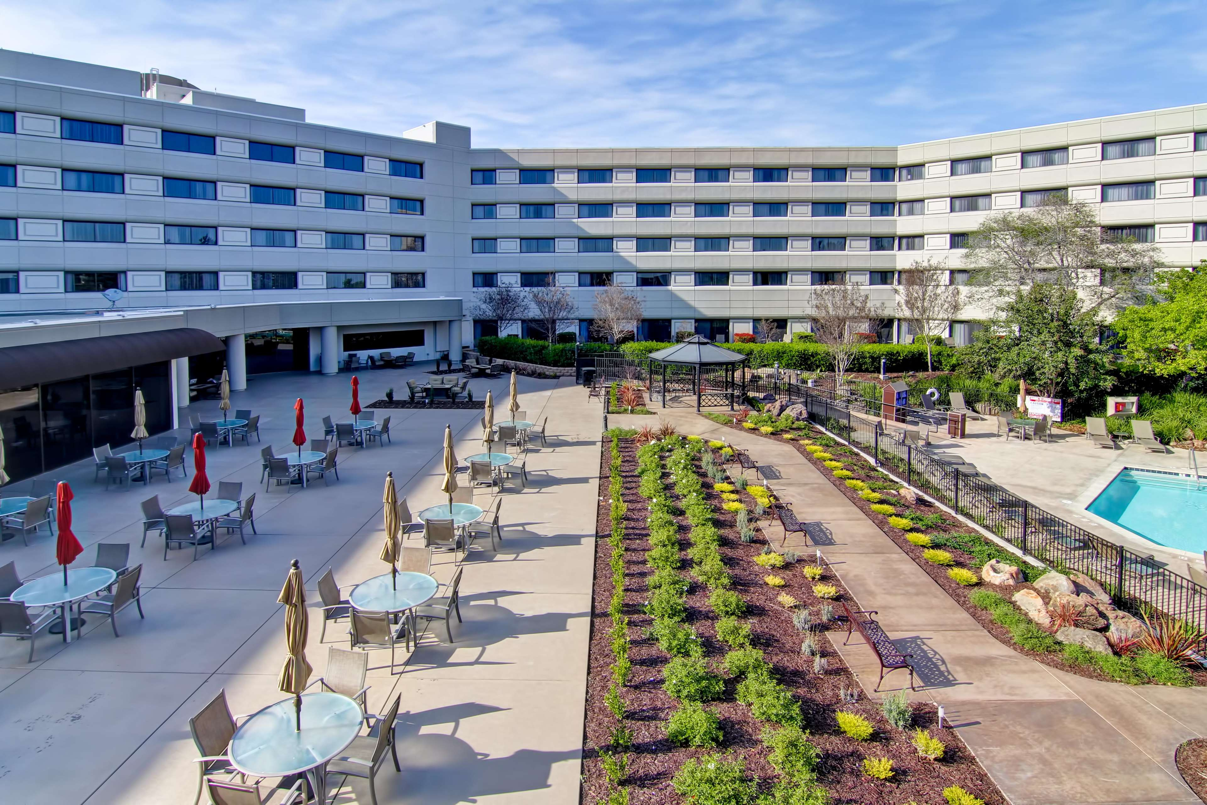 DoubleTree by Hilton Hotel Pleasanton at the Club image 5