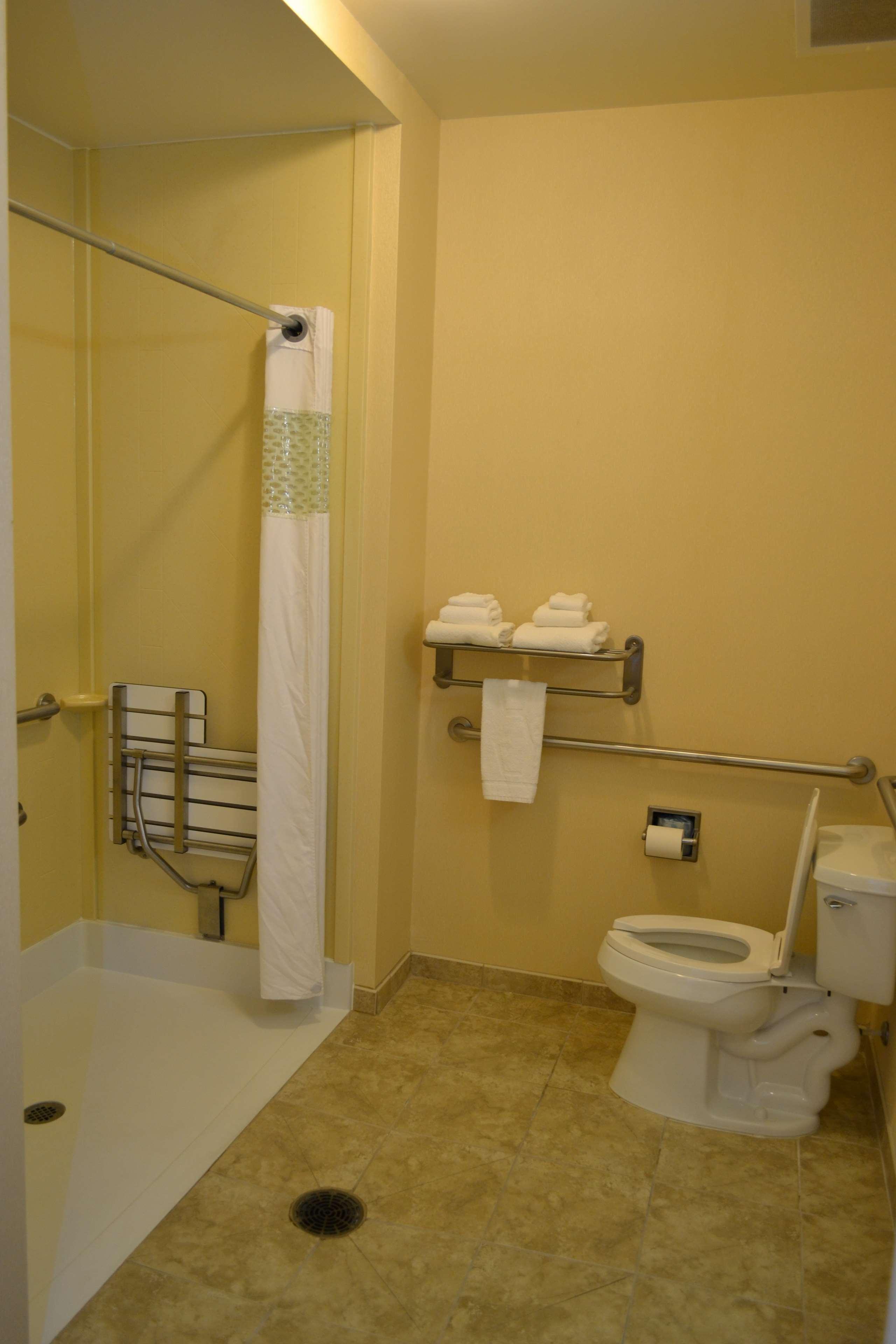 Hampton Inn & Suites Dayton-Airport image 29