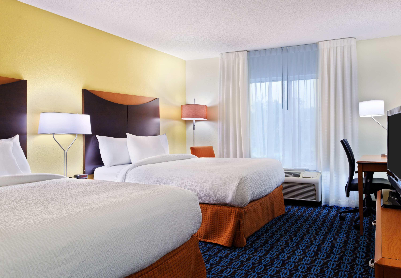 Fairfield Inn & Suites by Marriott Charlotte Arrowood image 5