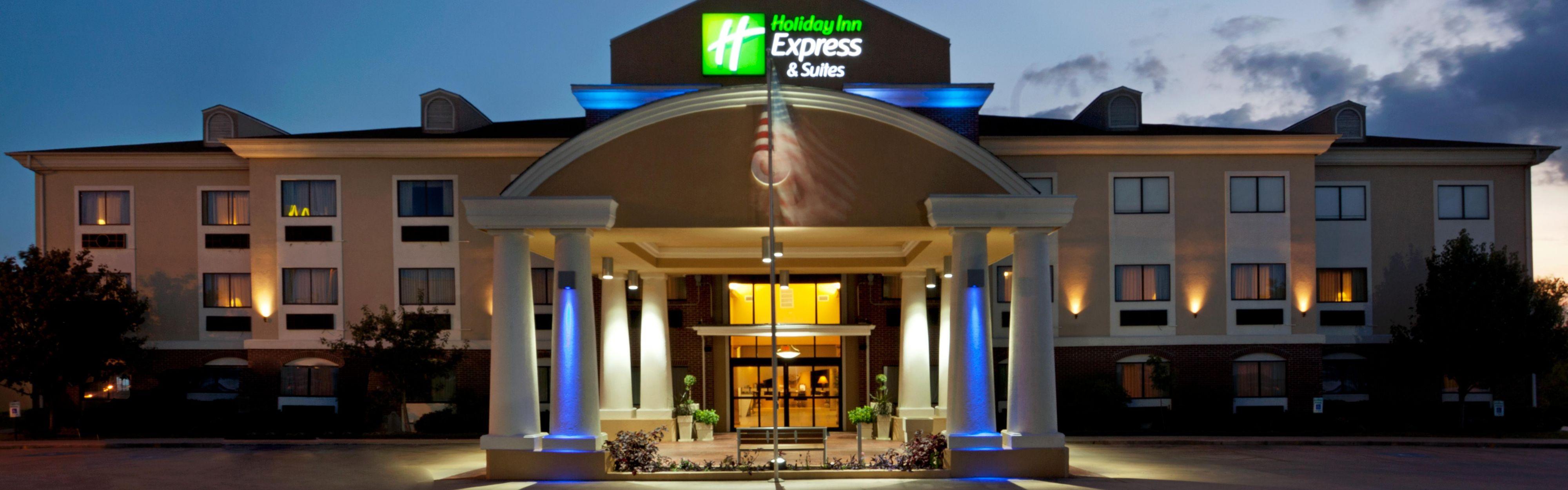 Holiday Inn Express & Suites Elgin image 0