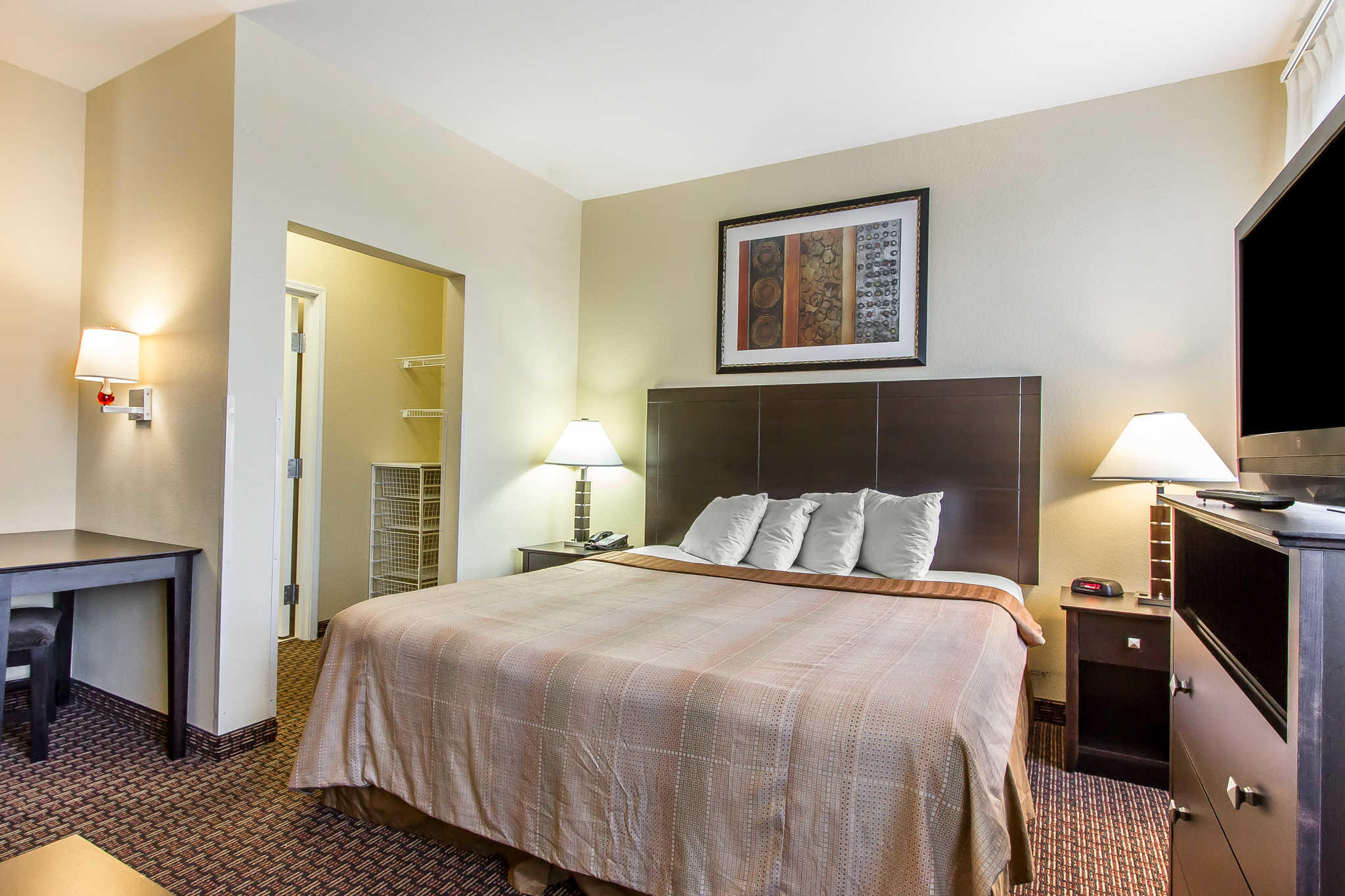 MainStay Suites Fort Campbell image 11