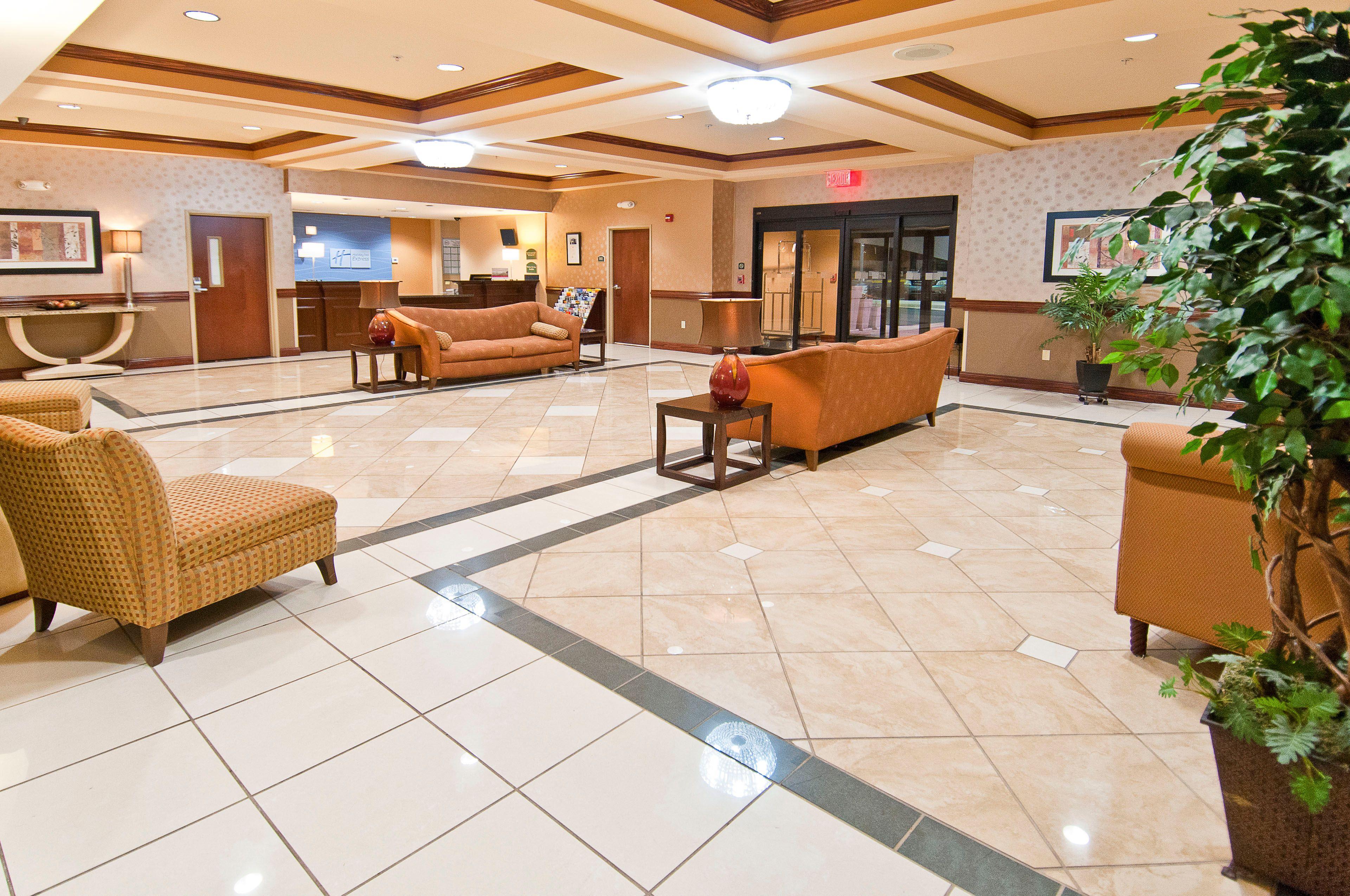Holiday Inn Express & Suites Biloxi- Ocean Springs image 8