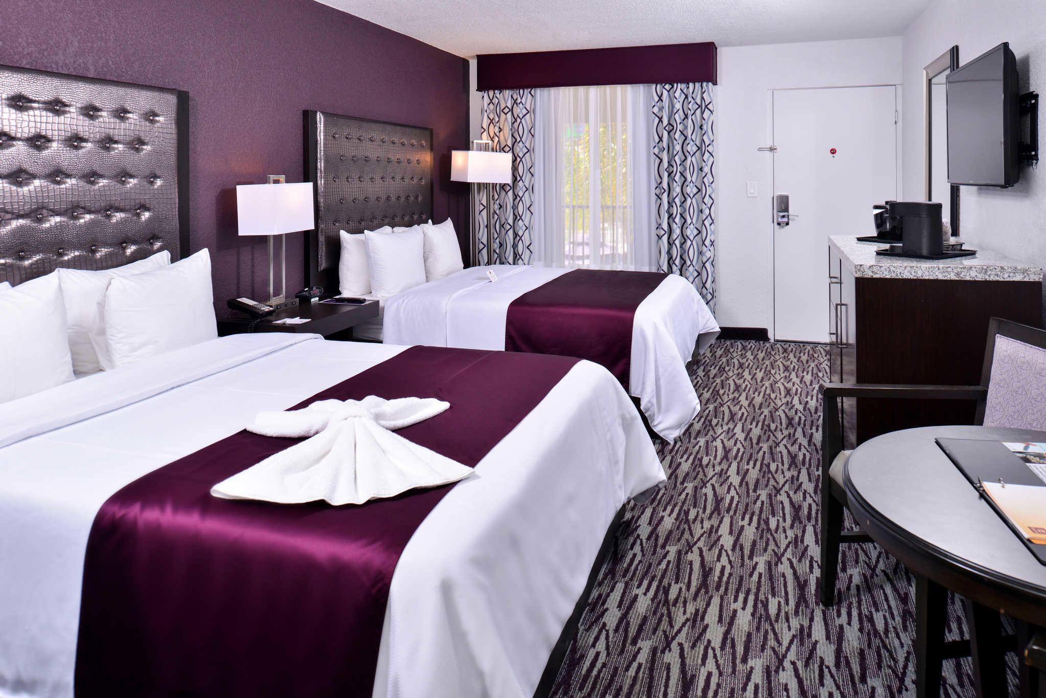 Clarion Inn & Suites Orlando near Theme Parks image 12