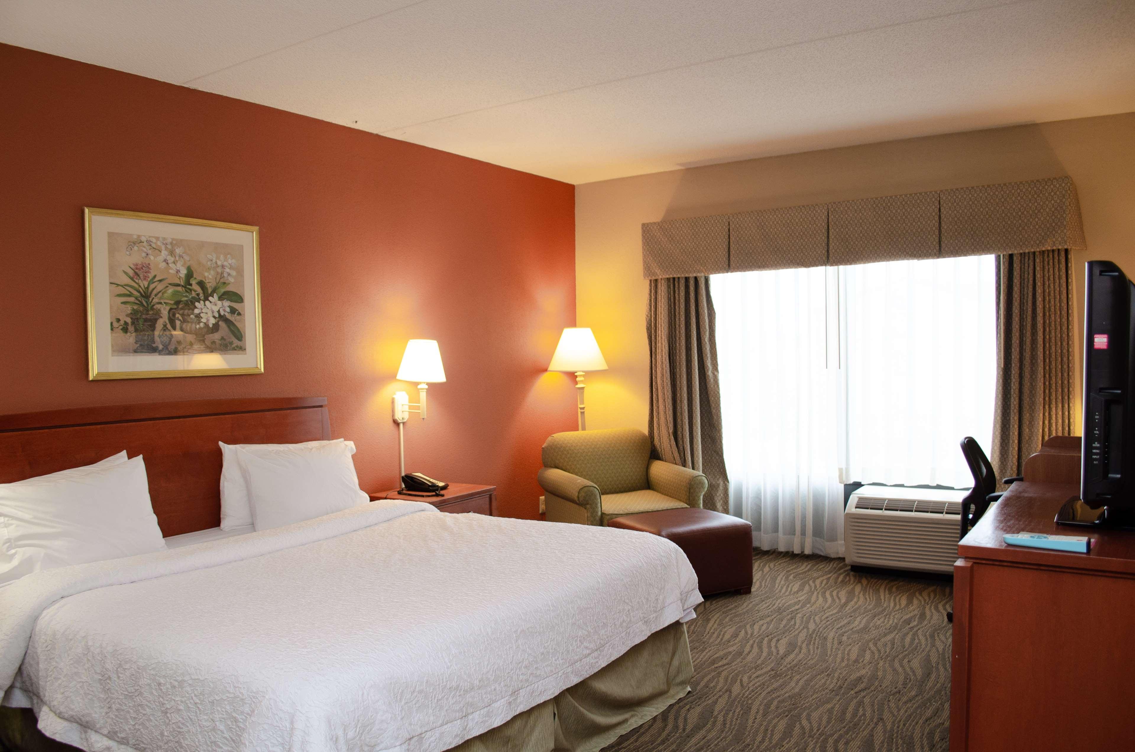 Hampton Inn & Suites Augusta West image 21