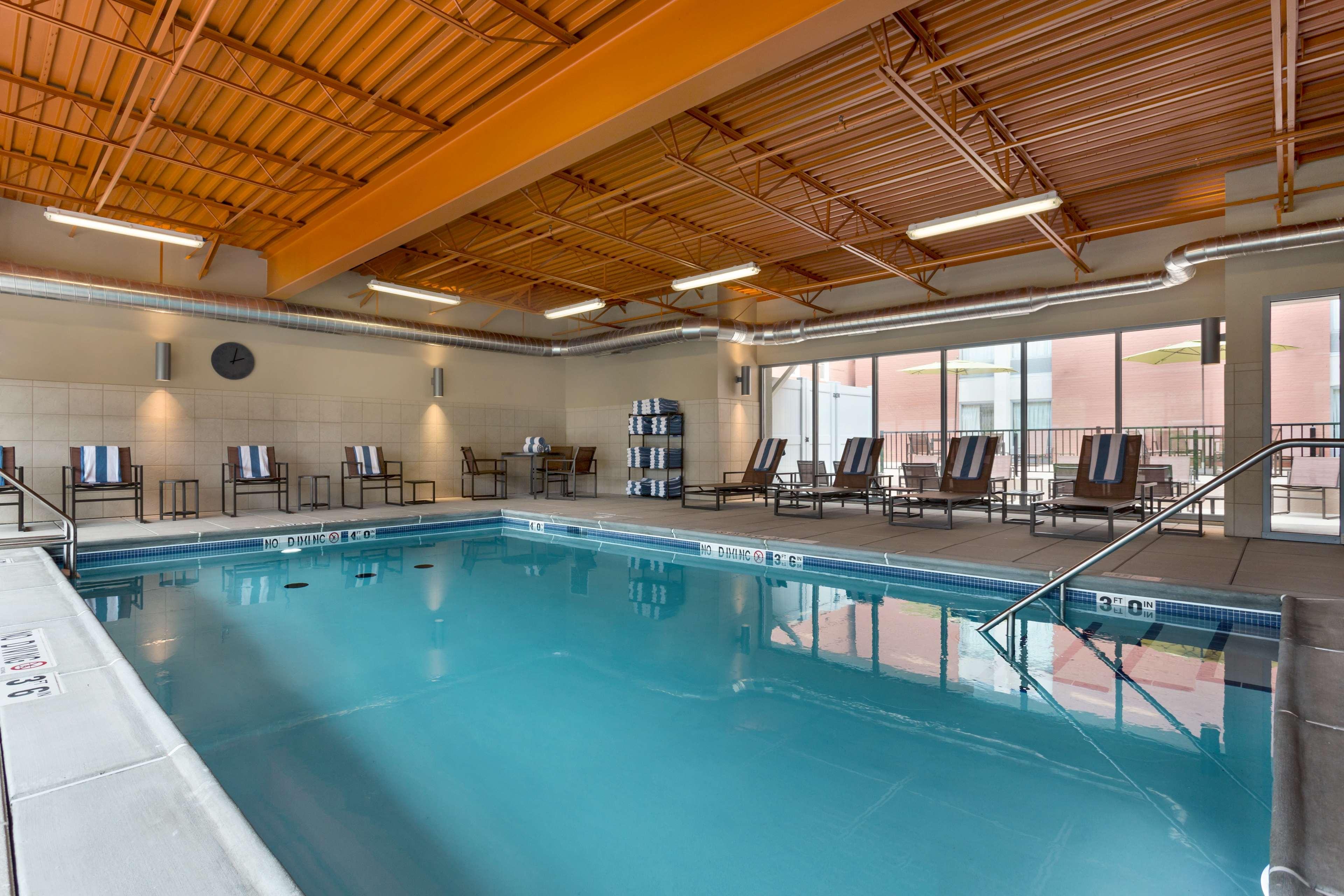 Hampton Inn and Suites Clayton/St Louis-Galleria Area image 6