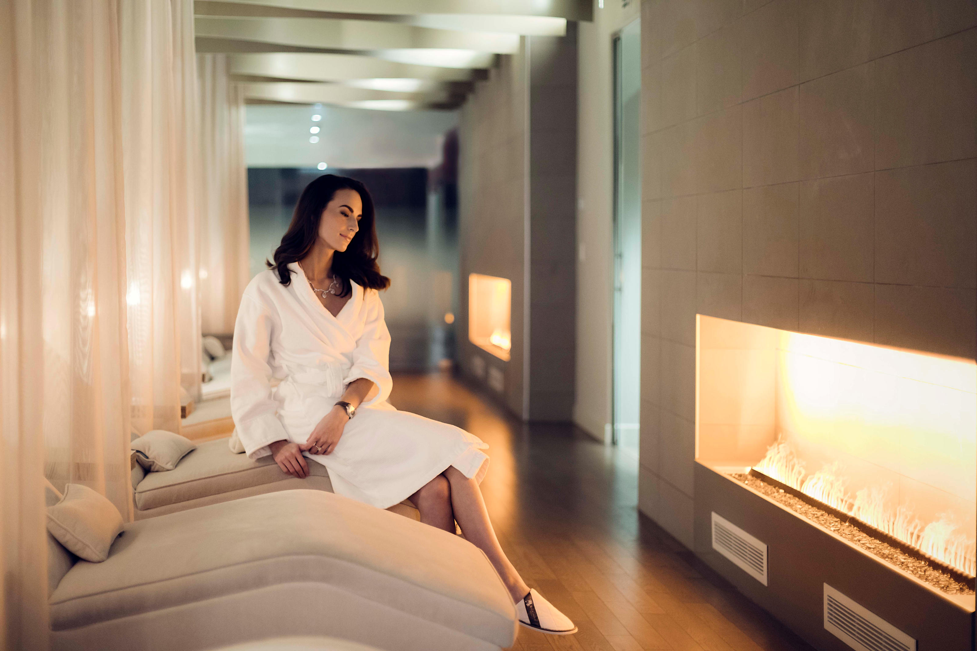 The Ritz-Carlton, Montreal à Montreal: Escape to a sanctuary of wellness at Spa St. James. Featuring a full menu of treatments, including massages, facials and body treatments, this hotel spa can create a serene retreat customized to your needs.  Bring your significant other for a romantically relaxing Couples Experience, or arrange to celebrate your upcoming wedding with The Flawless Bride package. This downtown Montreal spa also features a range of signature treatments that offer a personalized touch, whether it be a Detox & Revive ritual or The St. James Signature Facelift, which eschews surgery for muscle manipulation via microcurrents. Other services include manicures, pedicures, hair styling, men's treatments and more.