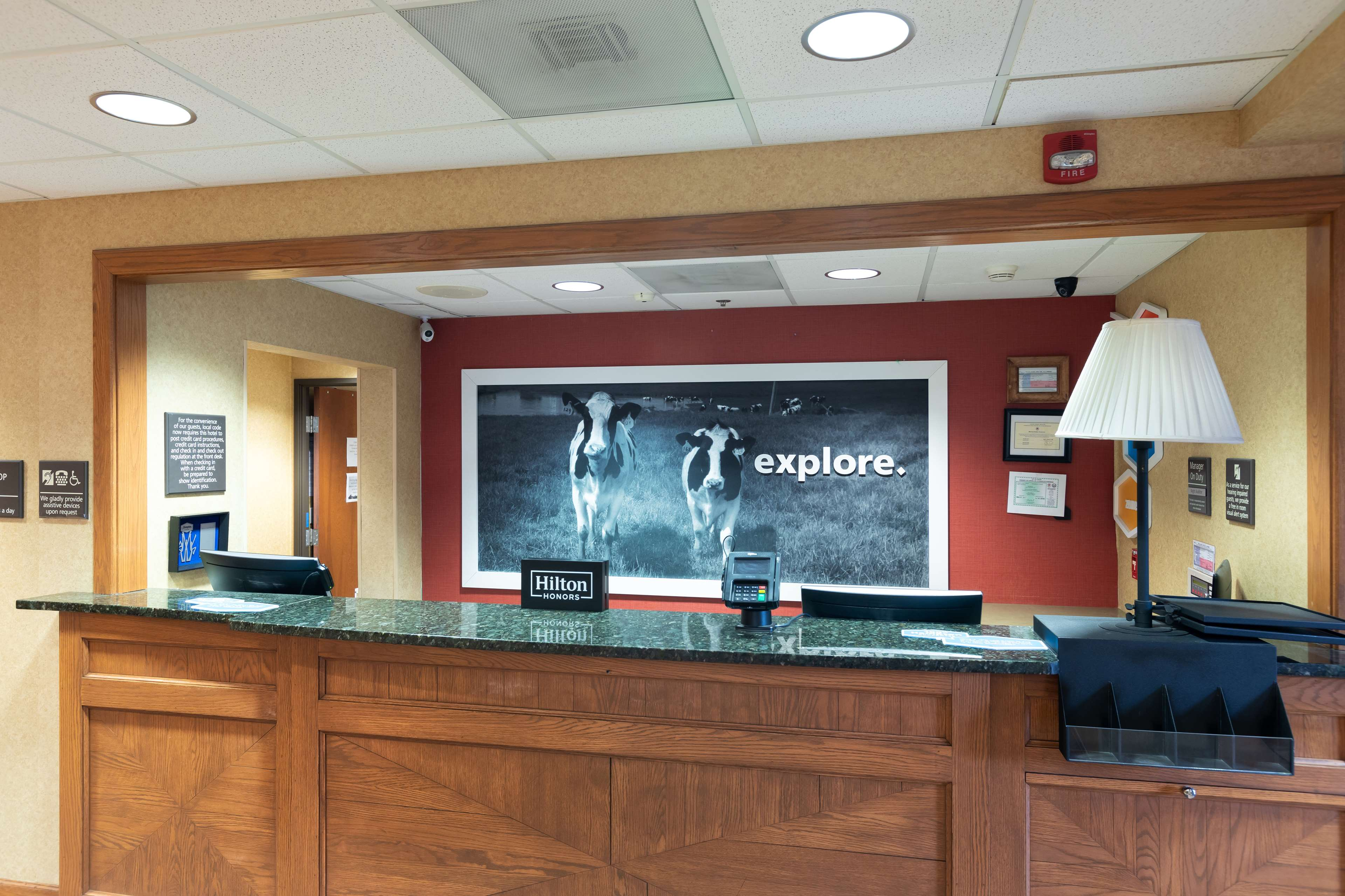 Hampton Inn & Suites Austin-Airport image 7