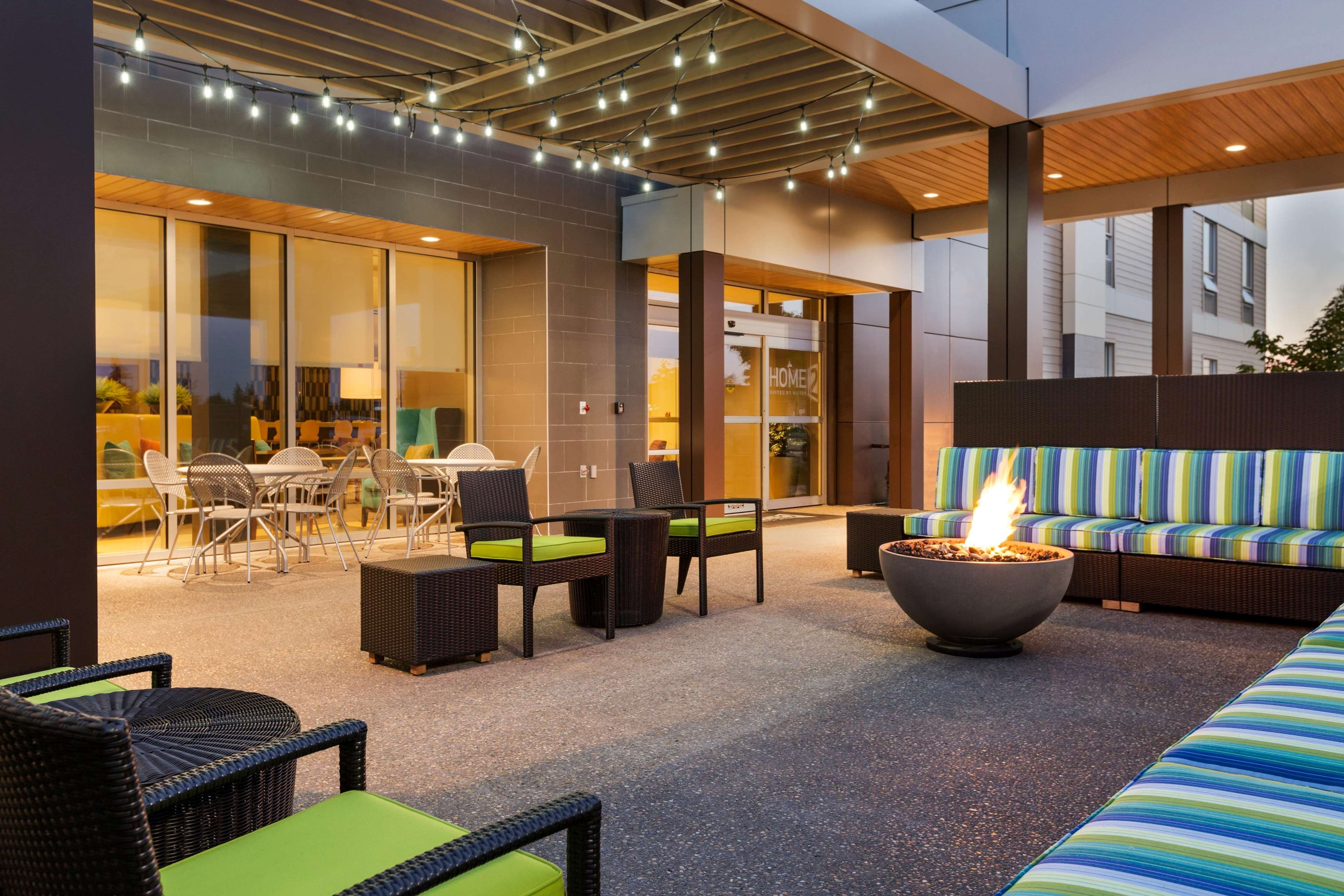 Home2 Suites by Hilton West Edmonton, Alberta, Canada in Edmonton: Outdoor Area with Firepit